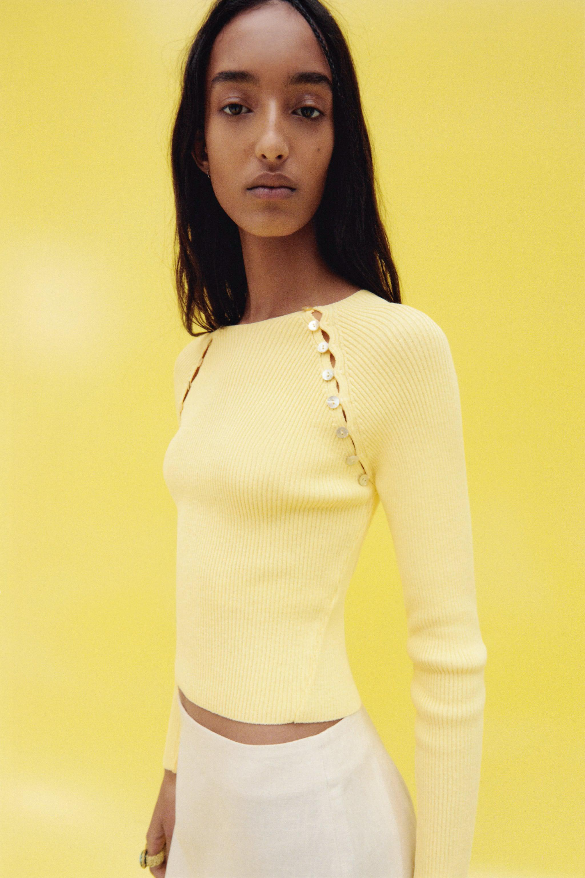 KNIT SWEATER WITH BUTTONS 2