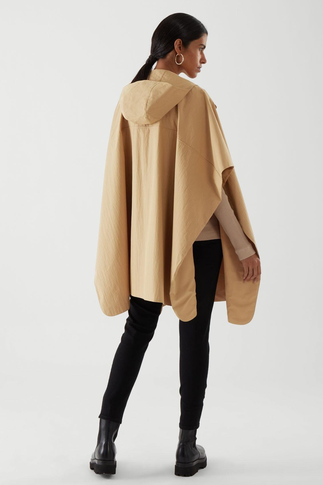 HOODED CAPE 4