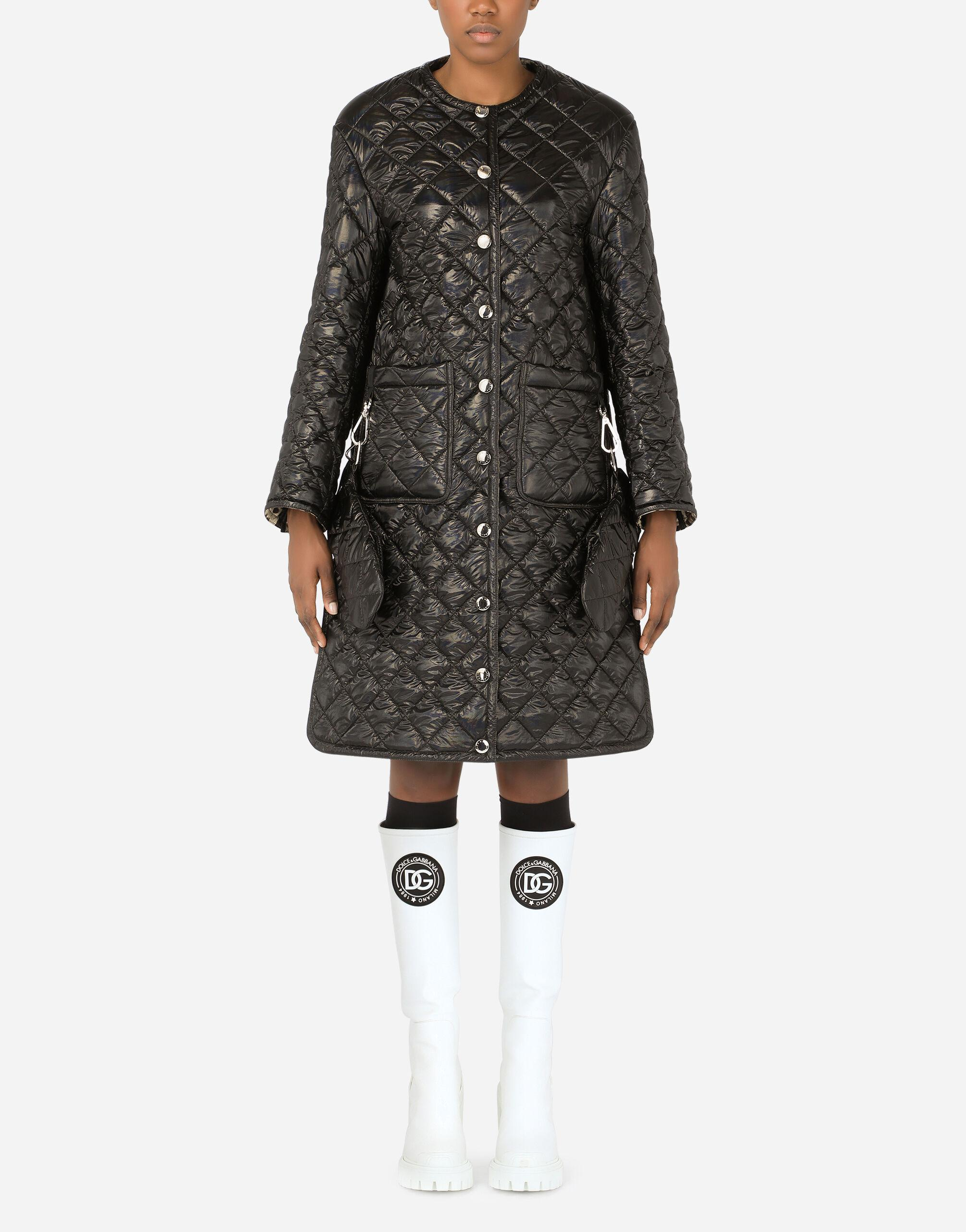 Coated quilted fabric coat with gloves