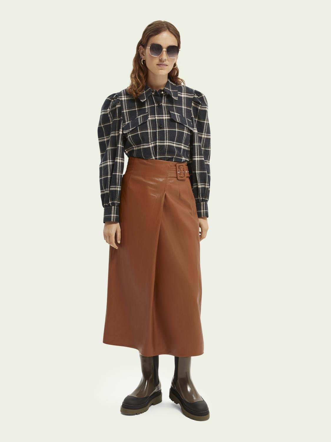 Wrap-over faux leather skirt 3