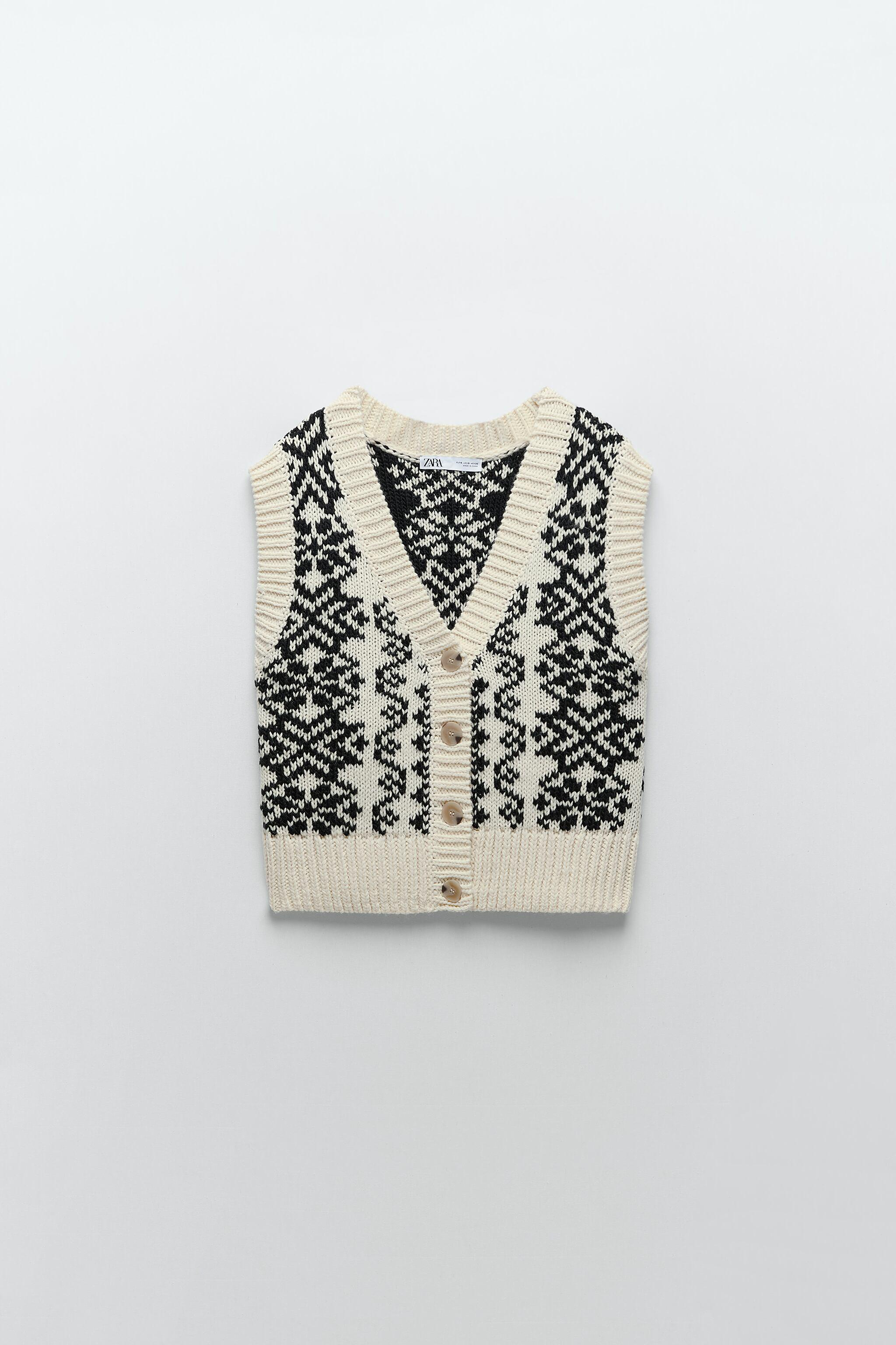 BUTTONED PRINTED VEST 3