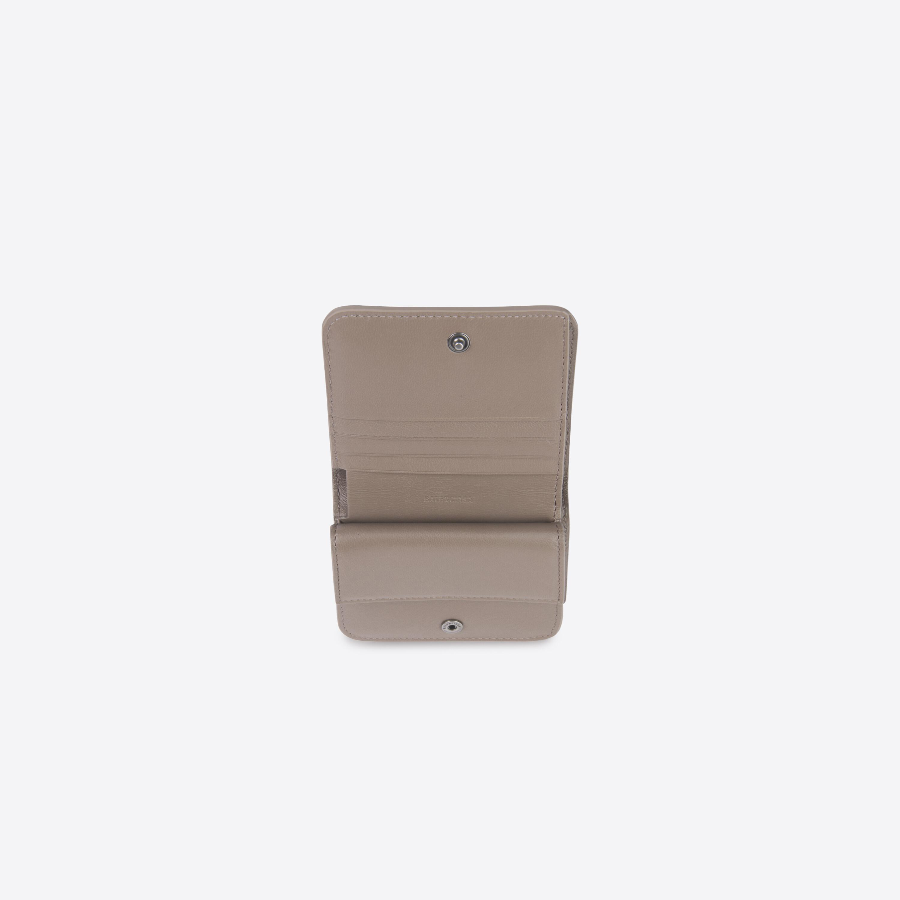 Essential Flap Coin and Card Holder 2