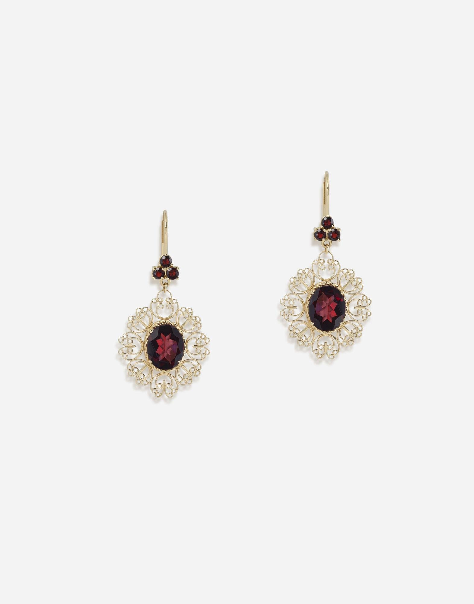 Barocco earrings in yellow gold with rhodolite garnets