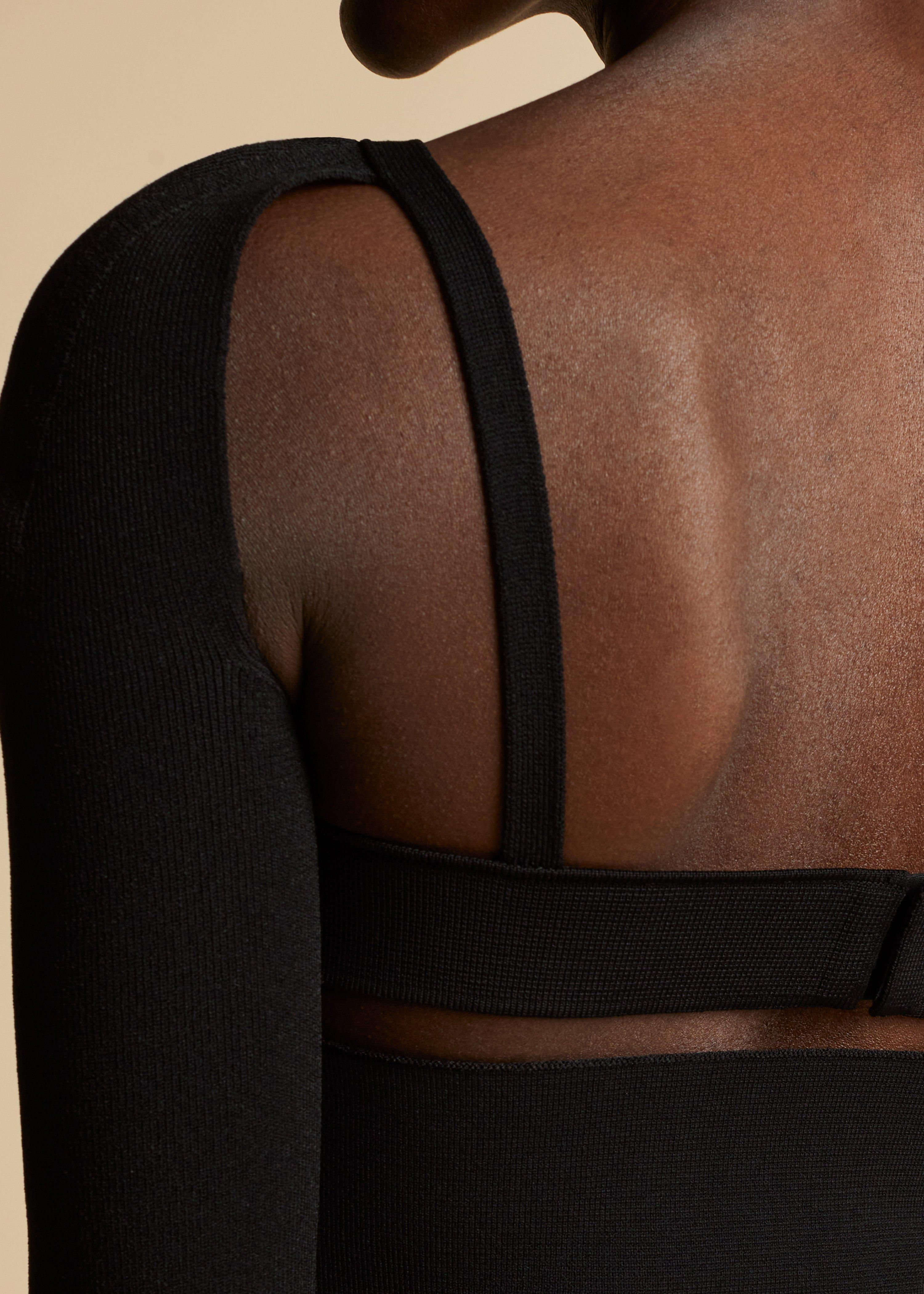 The Roza Top in Black 3
