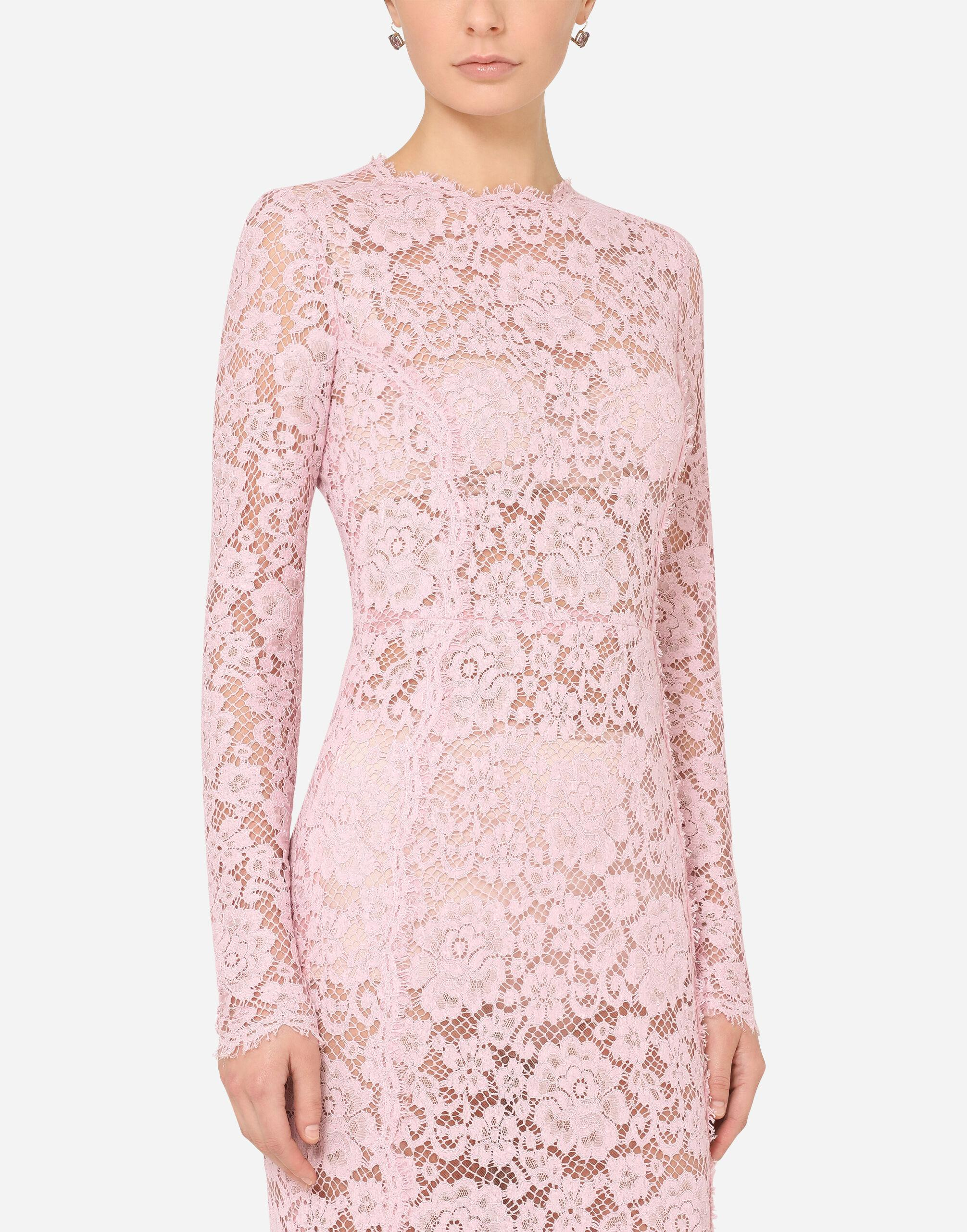 Long lace dress with train 2