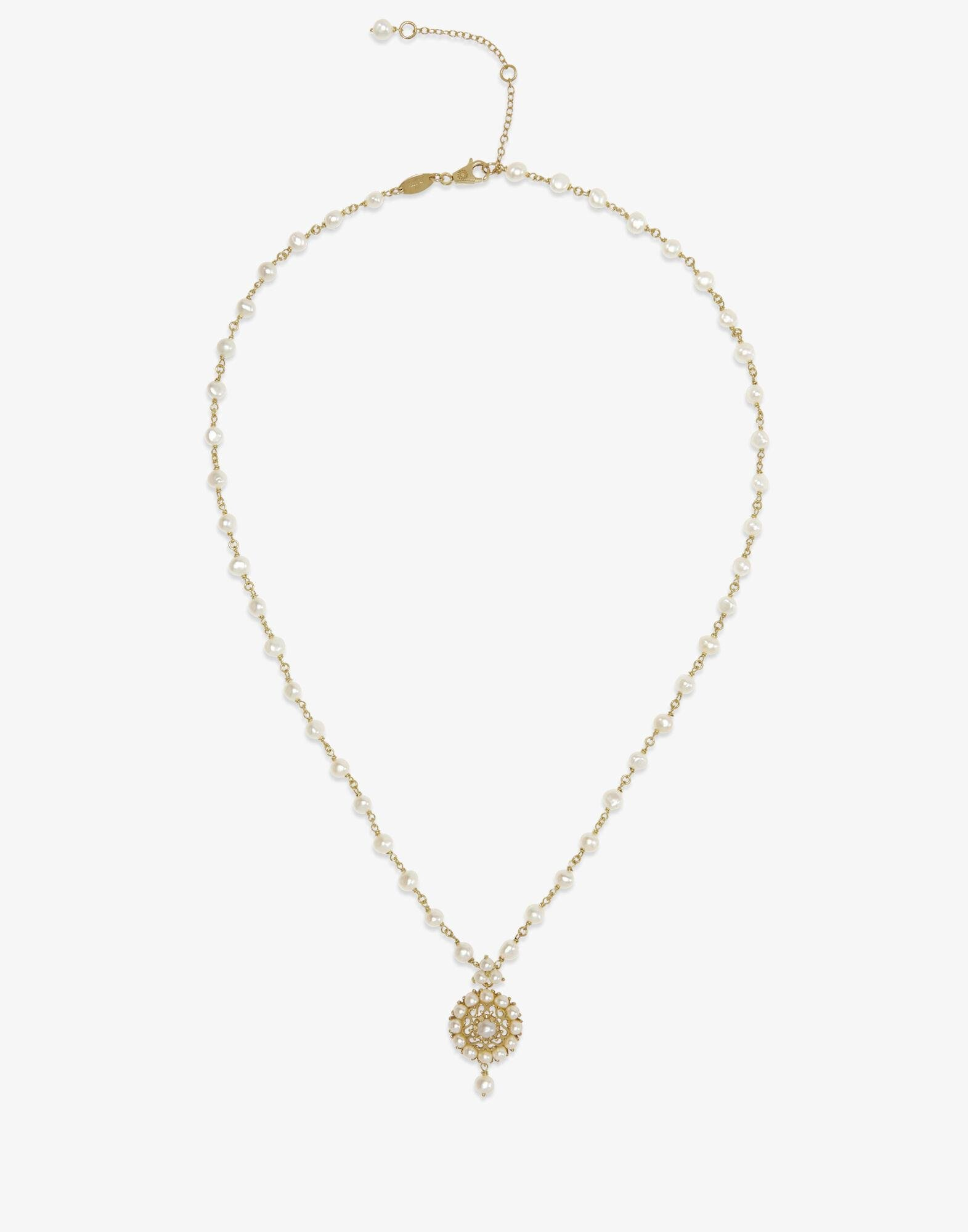 Romance necklace in yellow gold with pearls