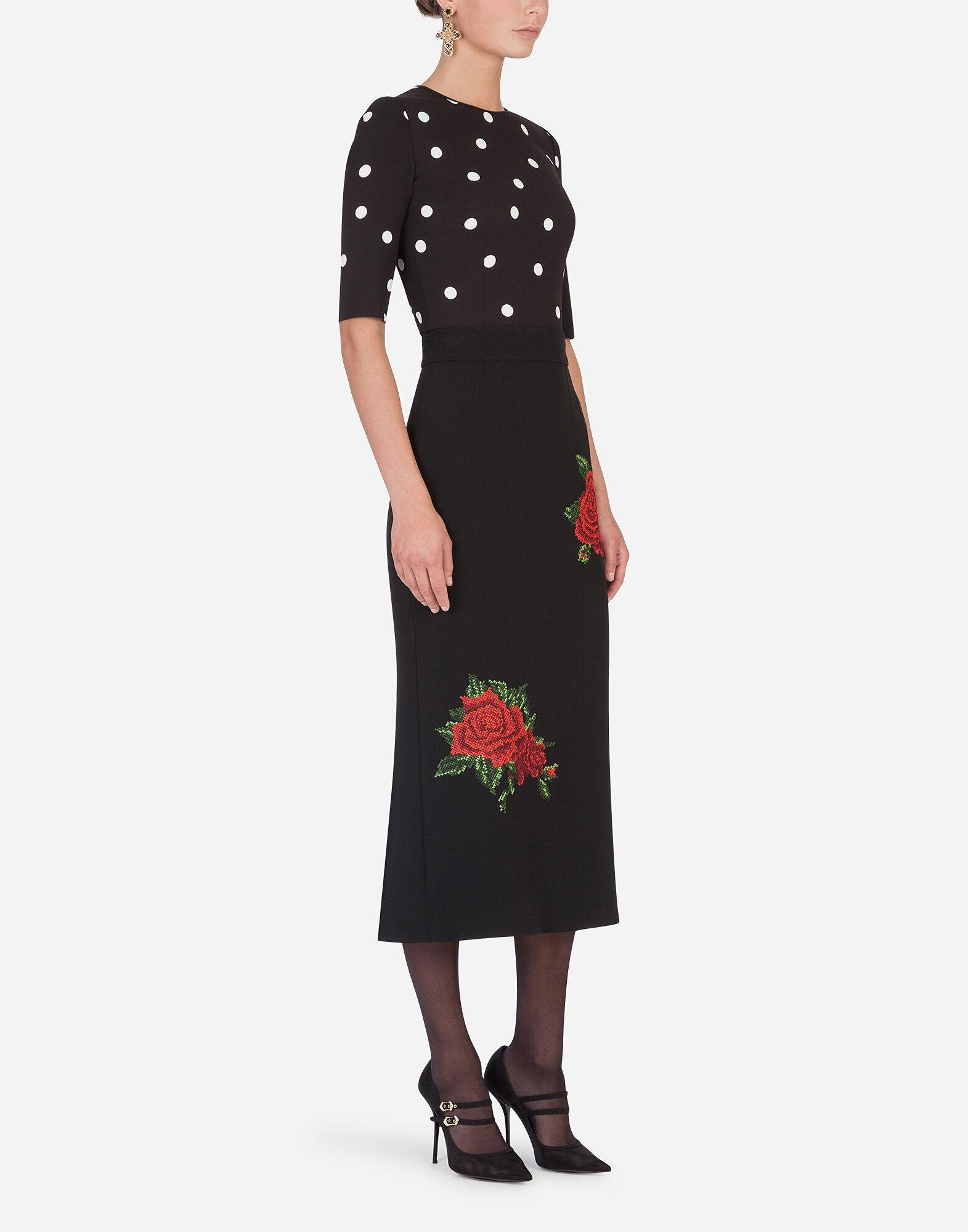 Pencil skirt with rose embroidery 2