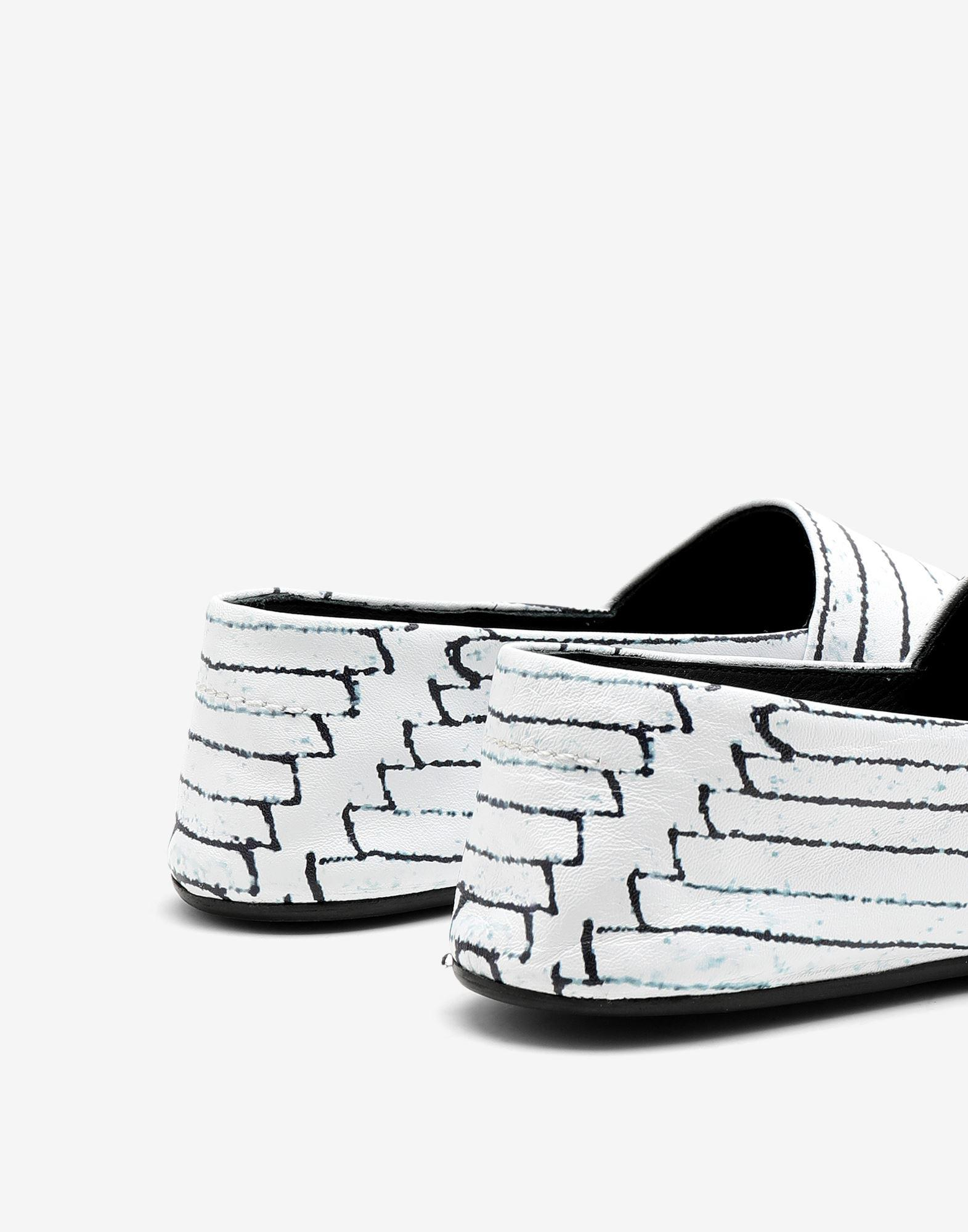 Slip-on shoes 3
