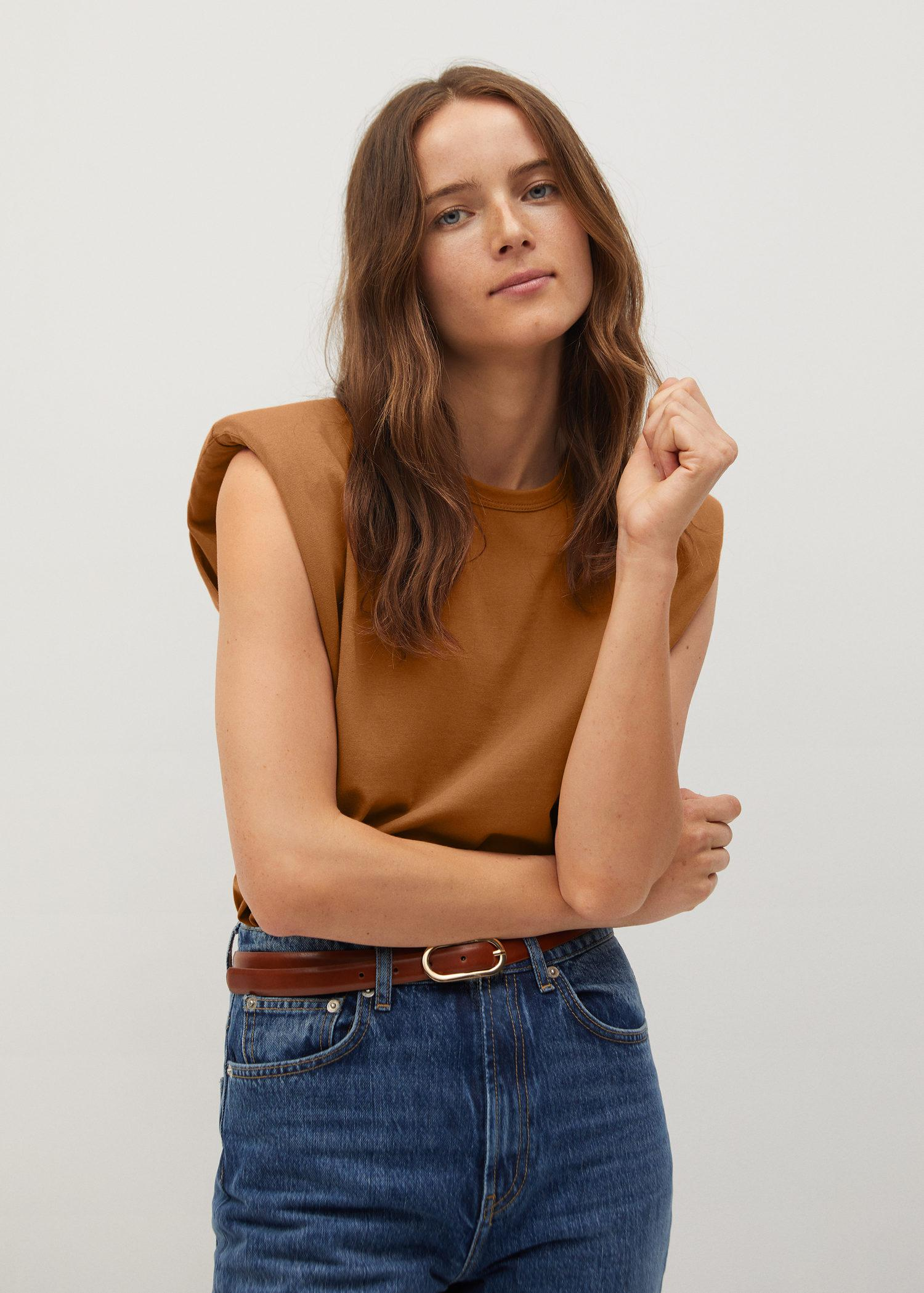 Organic cotton t-shirt with shoulder pads