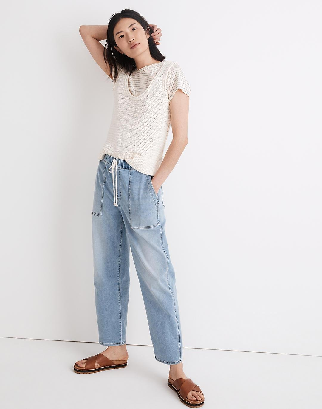 Pull-On Relaxed Jeans in Bellview Wash