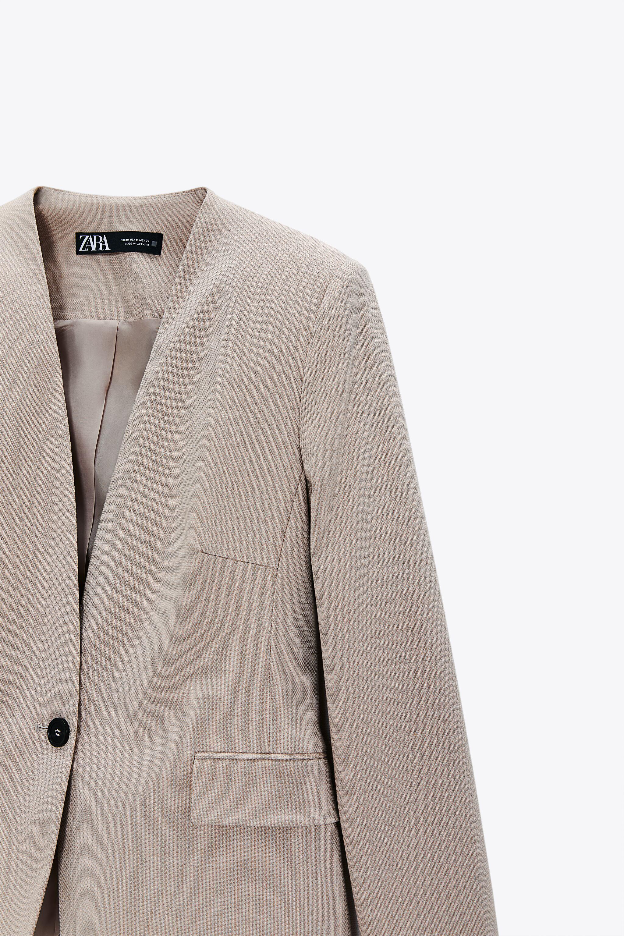 LAPELLESS FITTED BLAZER 4