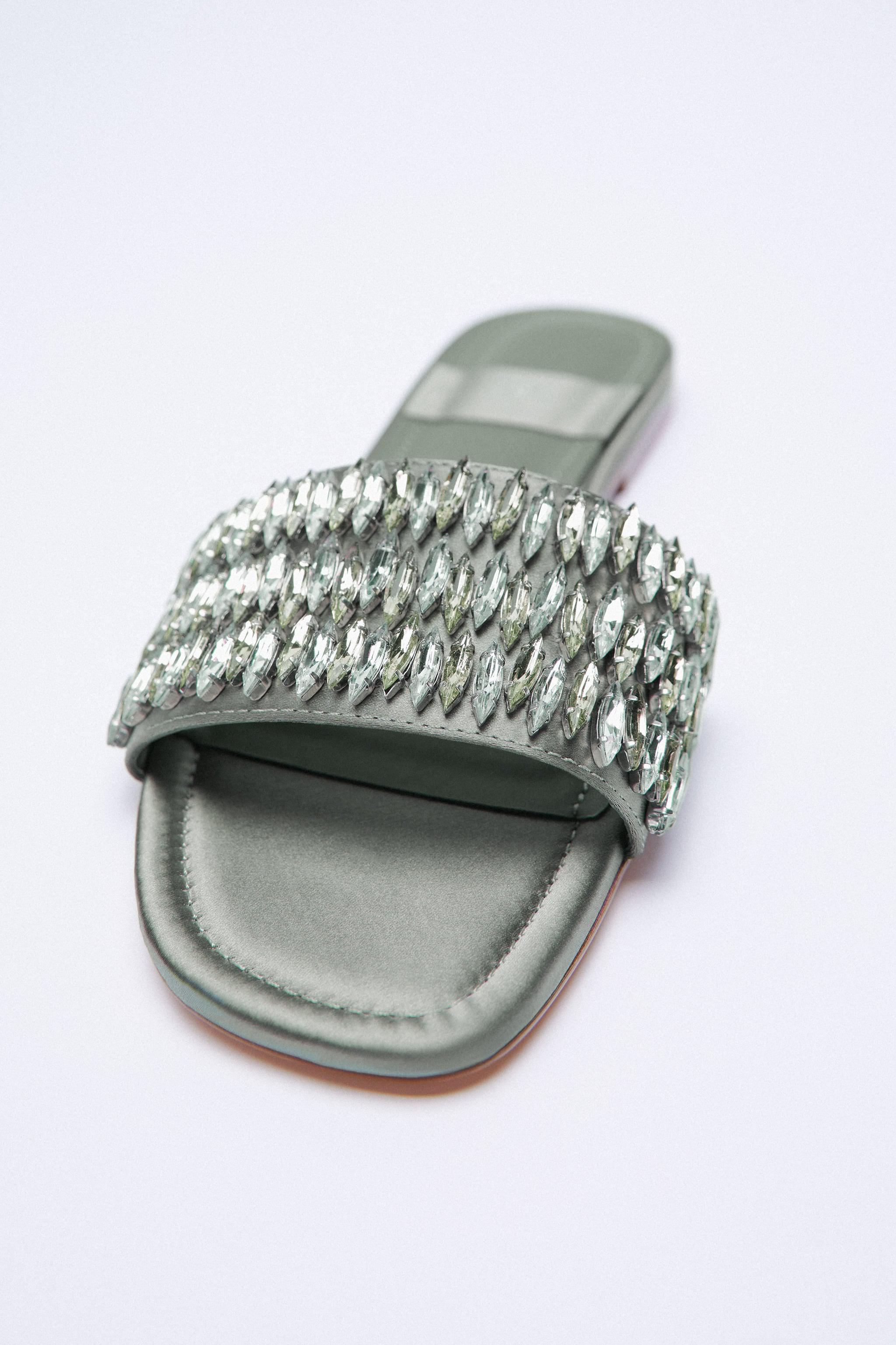 SPARKLY LOW HEELED SANDALS 2