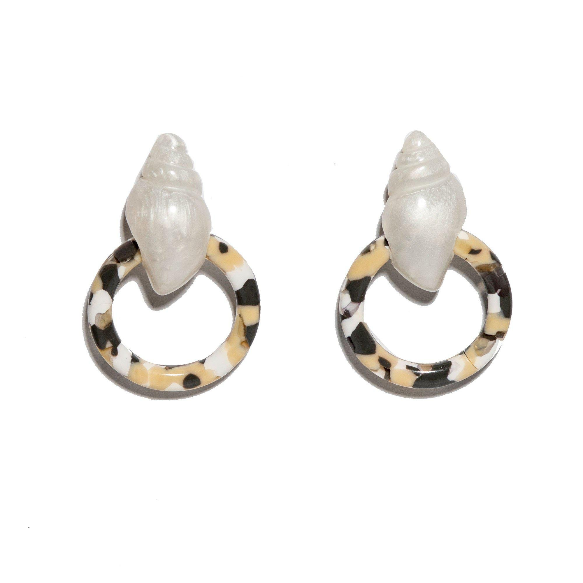 DALMATION SHELL BUTTON FRONT HOOP EARRINGS