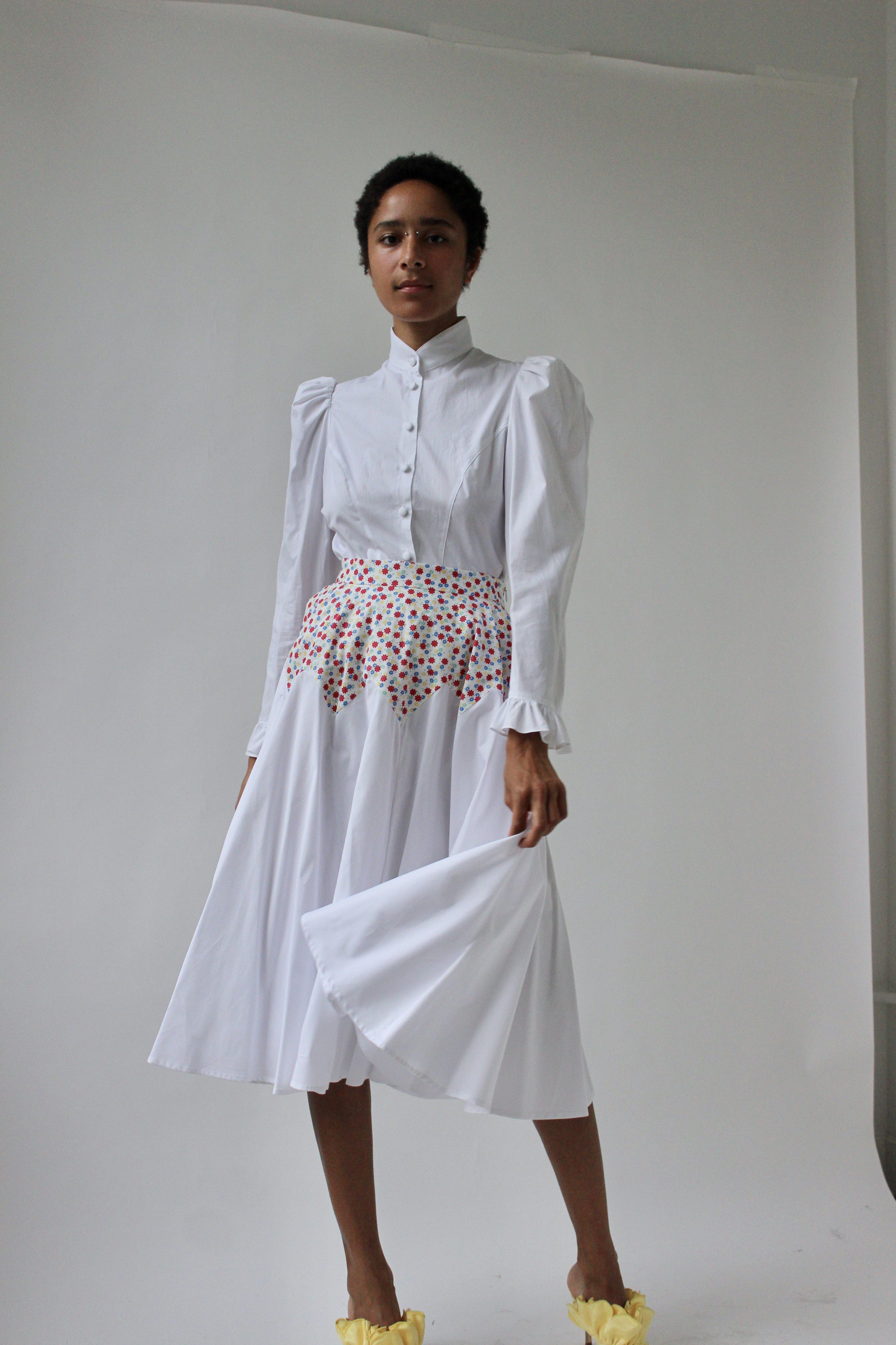 Triangle Skirt in White Floral