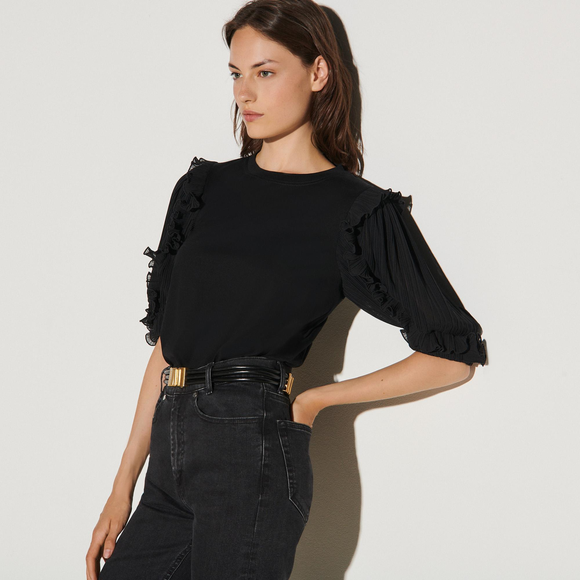 T-shirt with intricate sleeves