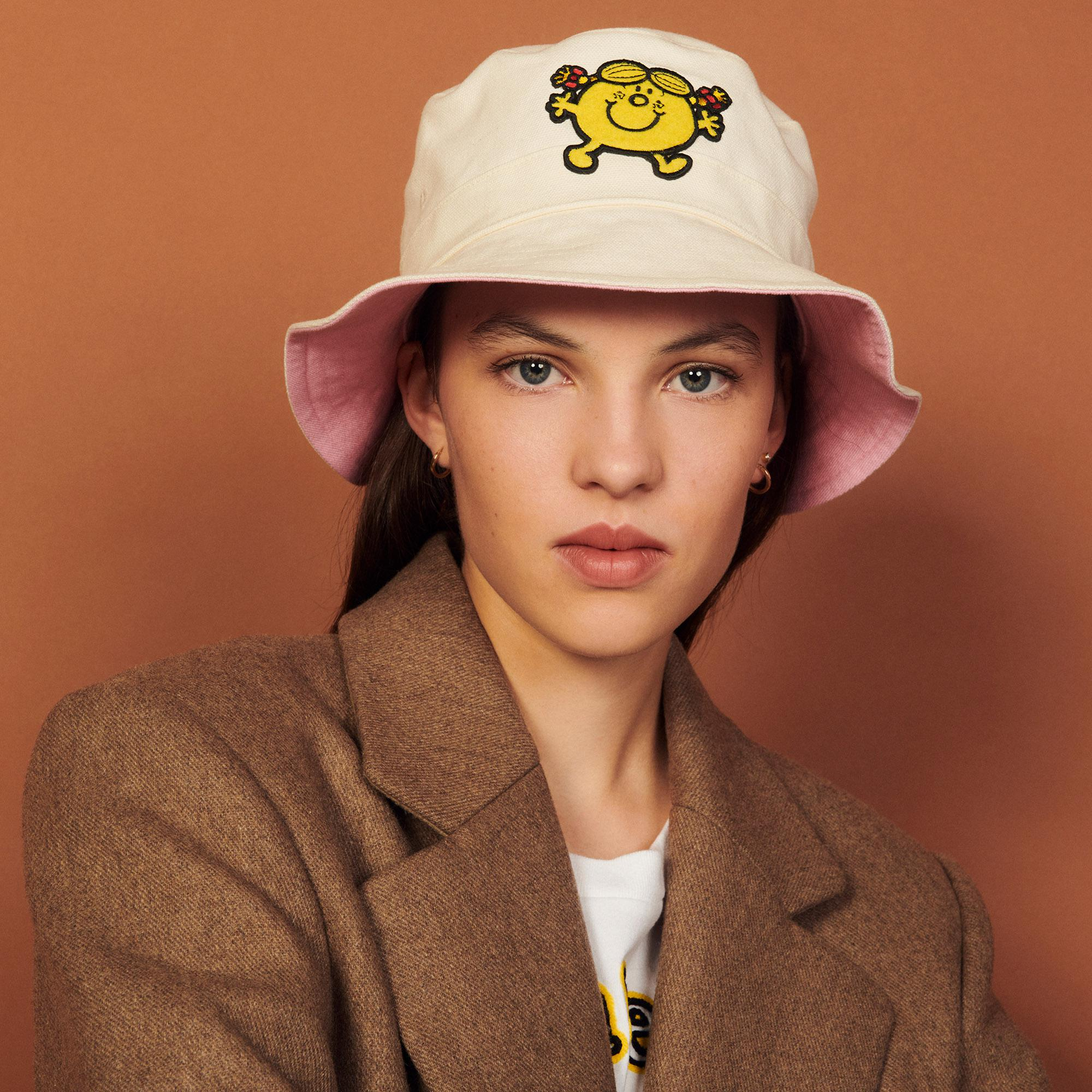 Reversible bucket hat with patch