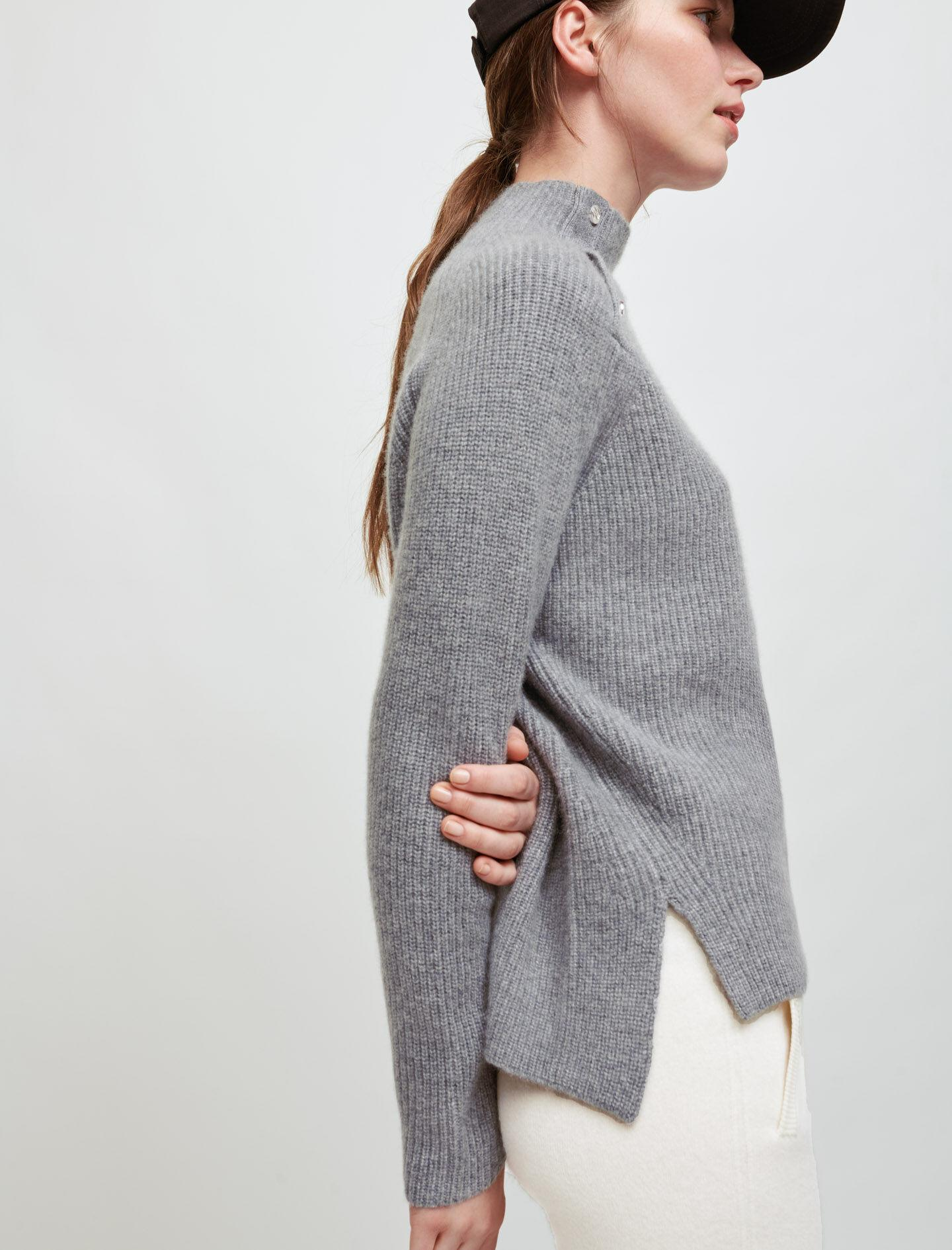 100% CASHMERE SWEATER WITH COLLAR 3