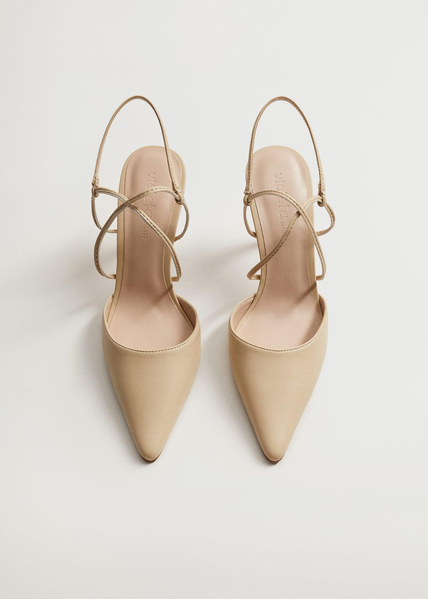 High-heeled shoes with straps 3