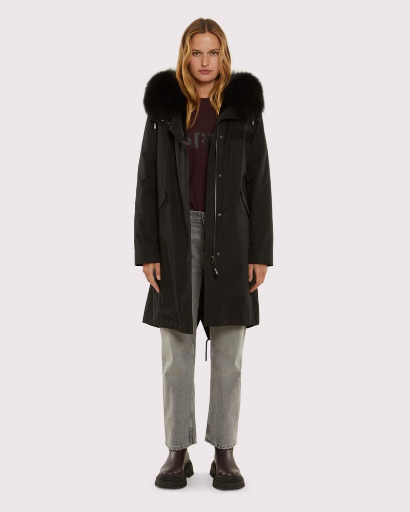 Long classic parka with fox fur
