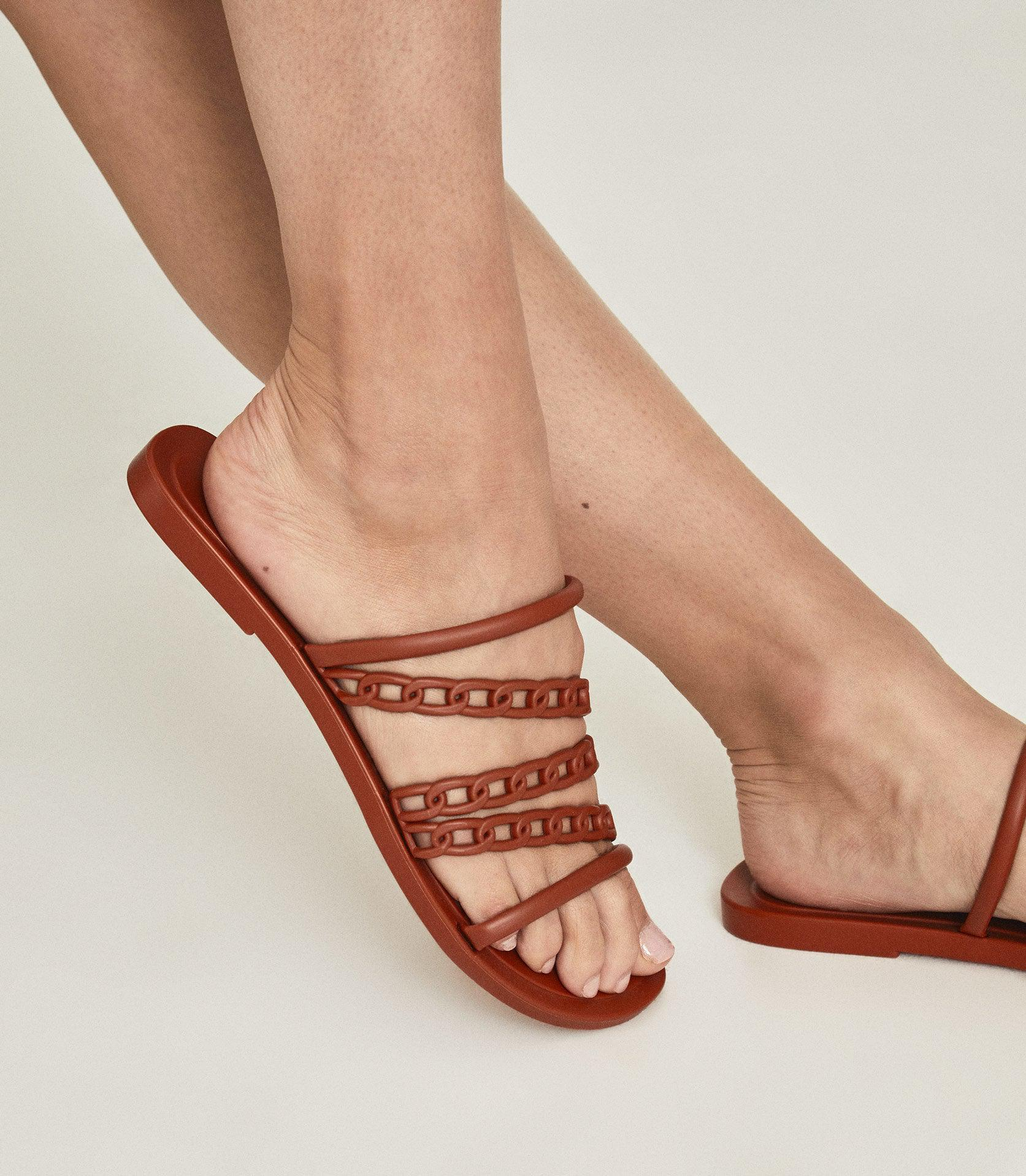 MAGDA - CHAIN DETAIL JELLY SANDALS 5