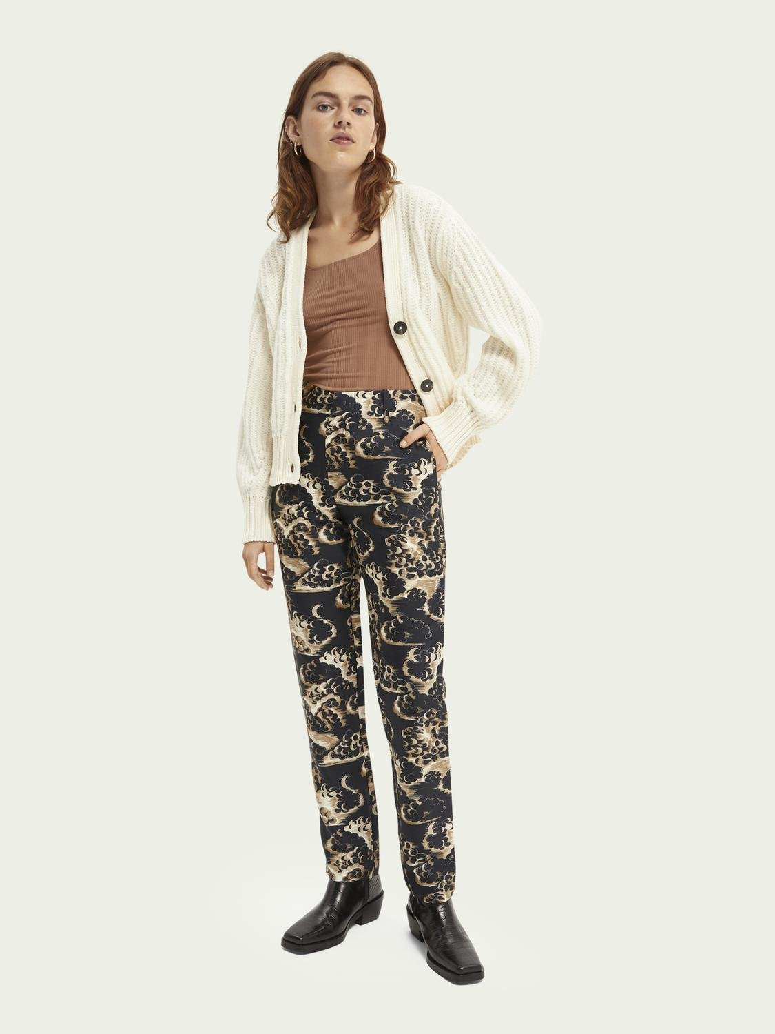 Printed tapered mid-rise trousers 1