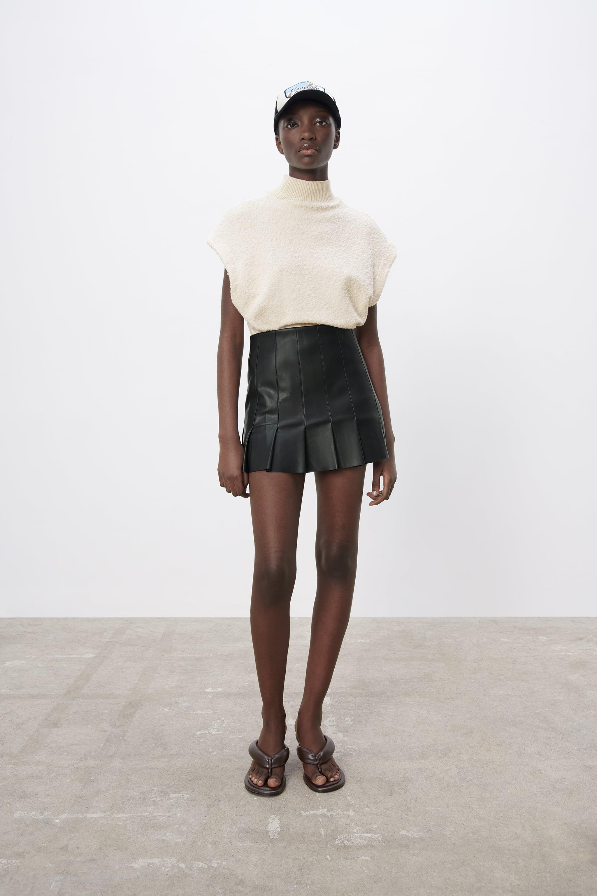 FAUX LEATHER BOX PLEAT SKIRT