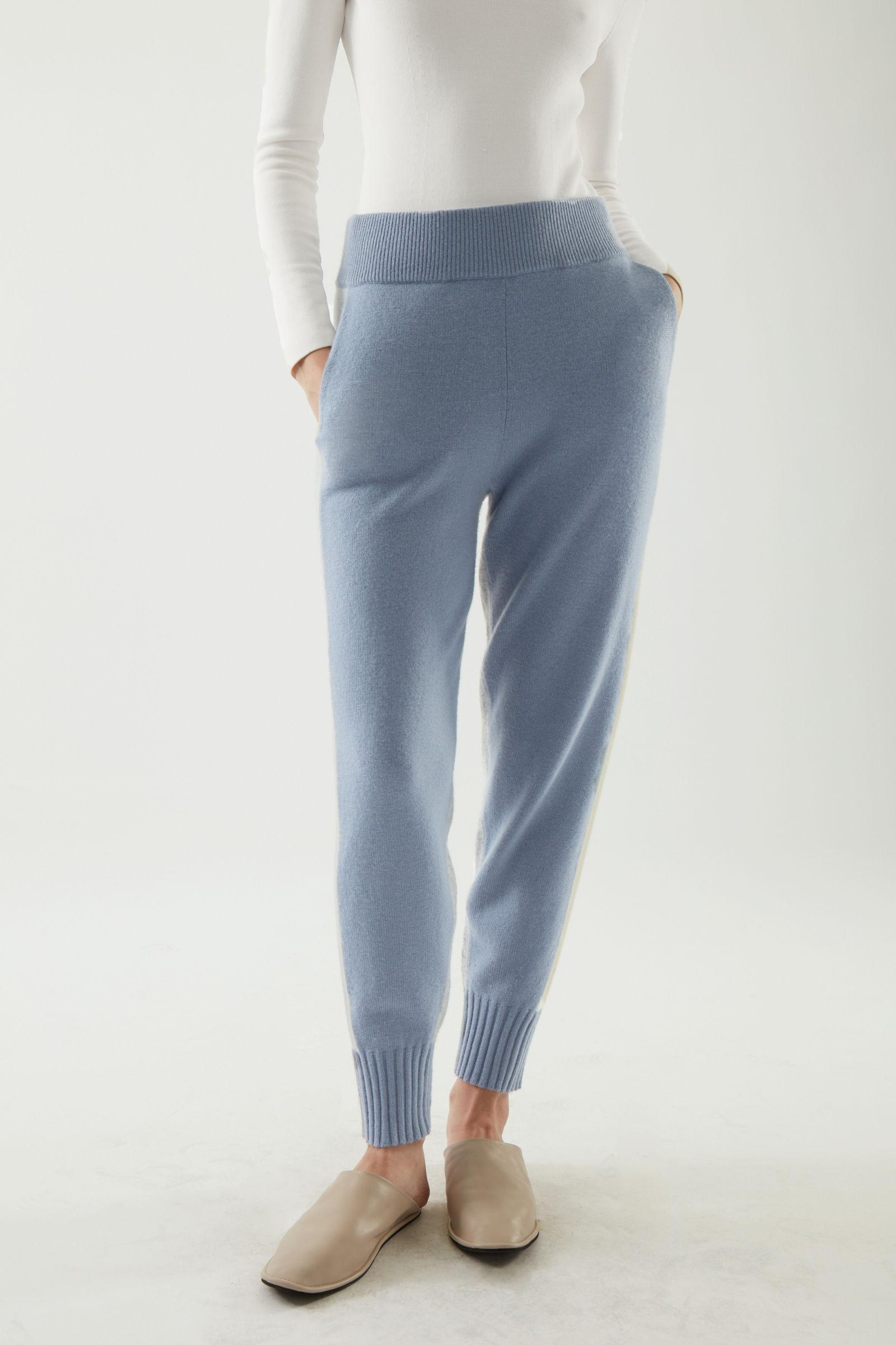 CASHMERE KNITTED JOGGERS 2