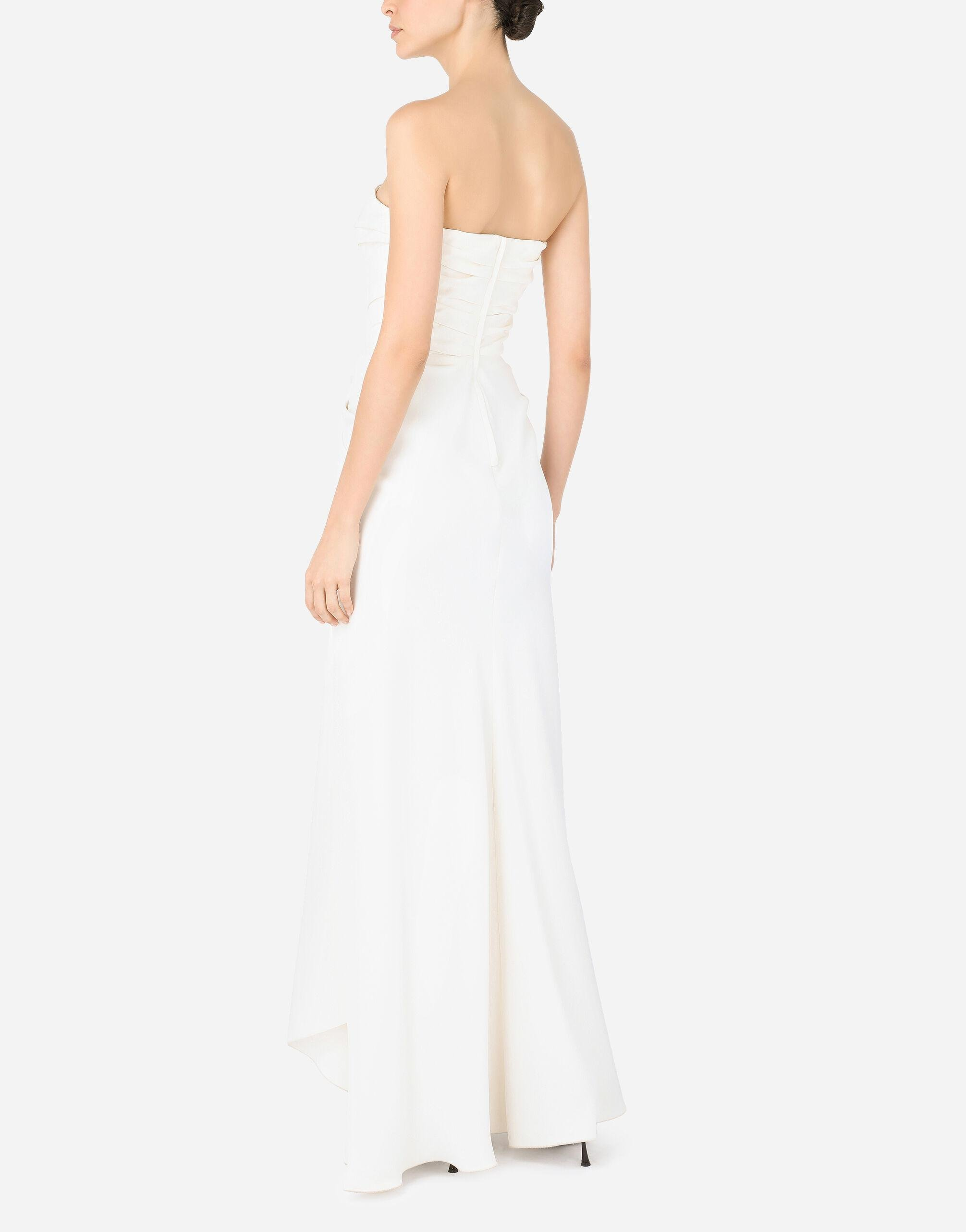 Long sable dress with side slit 3