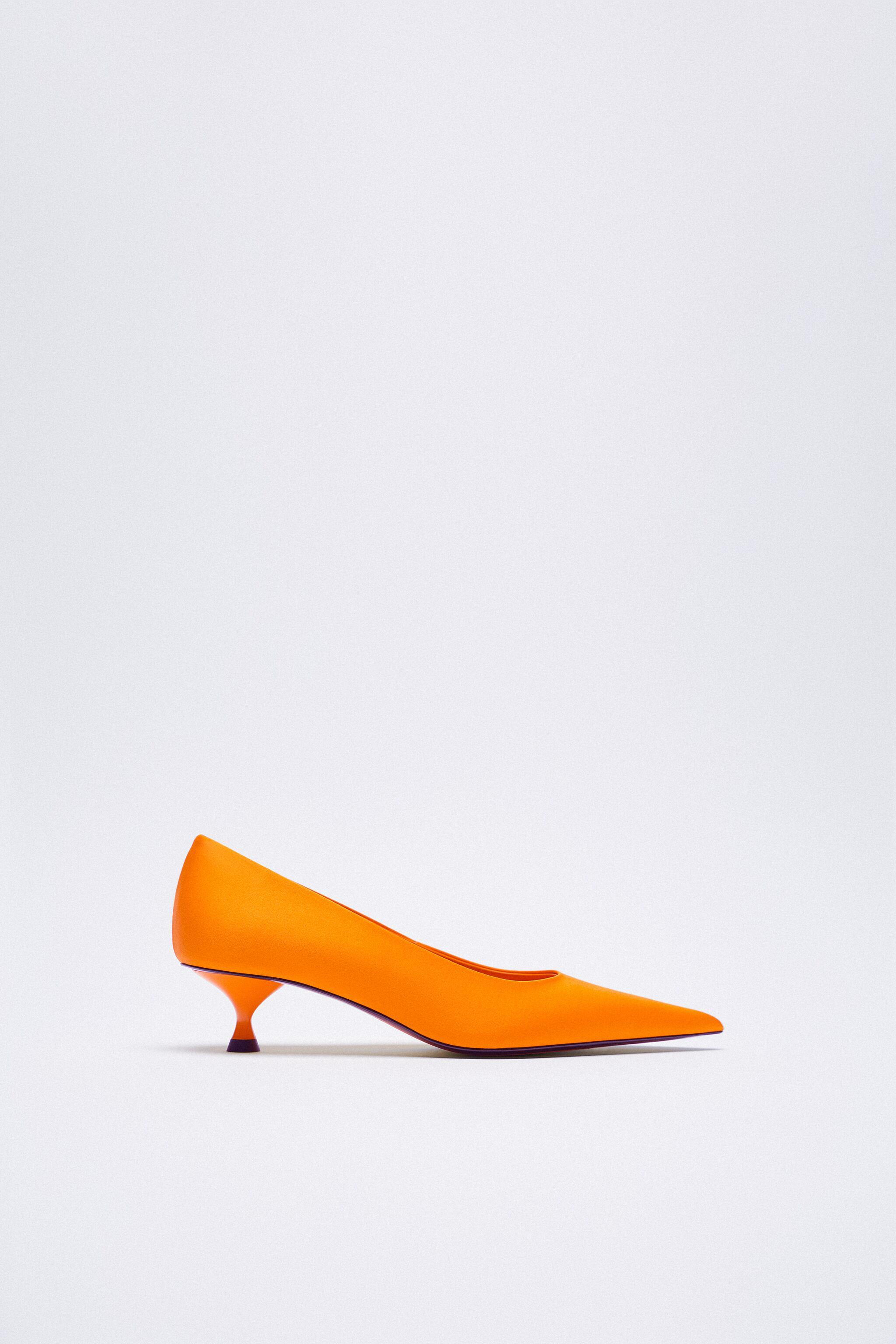 SATIN EFFECT POINTED TOE HEELS 7