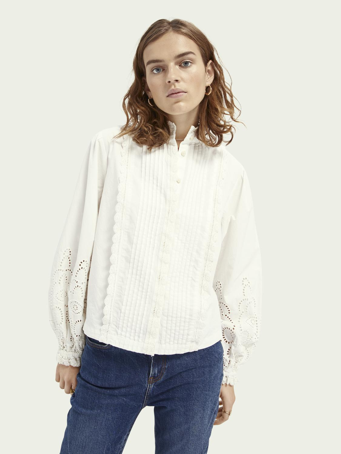 Broderie anglaise detail top
