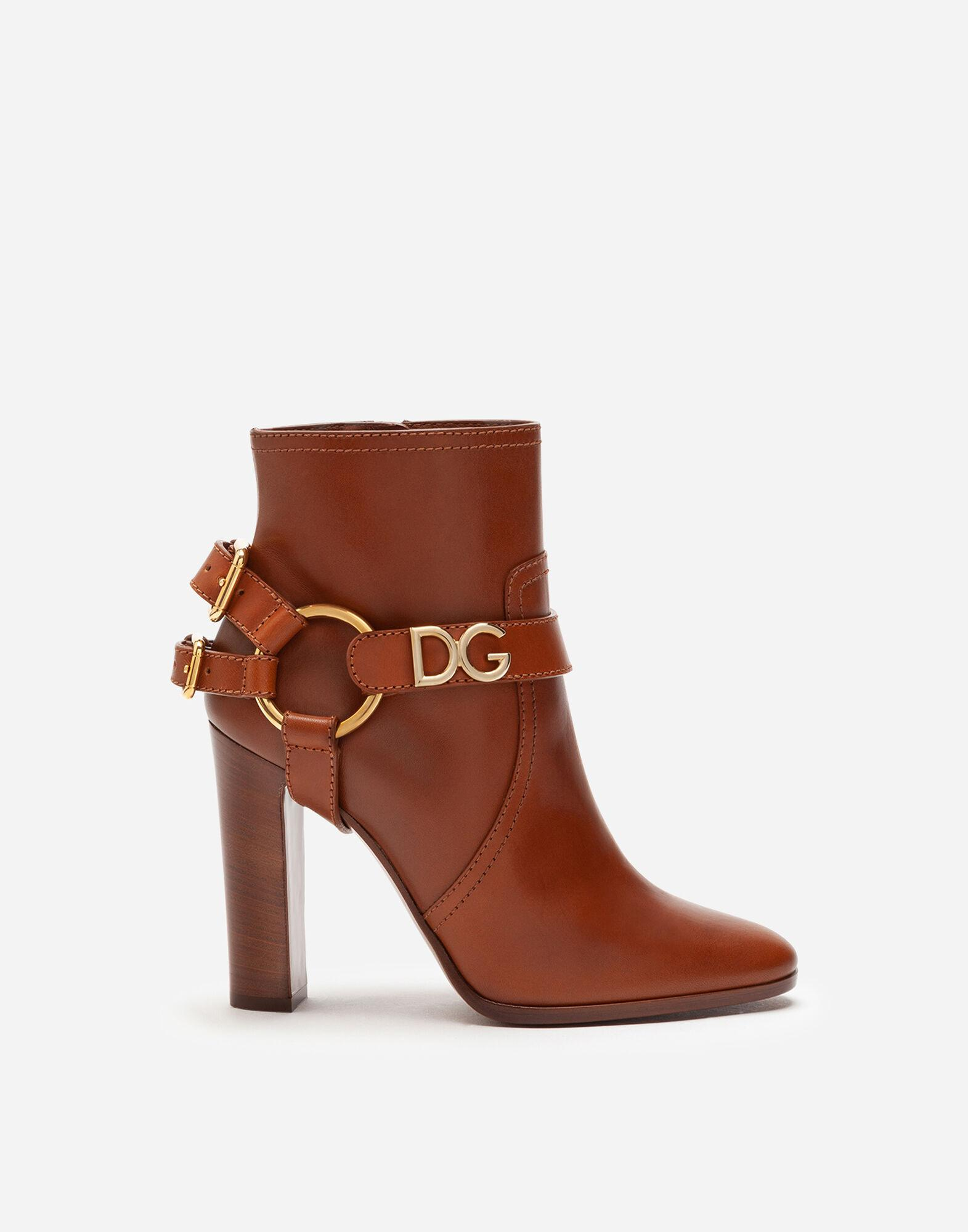 Ankle boots in cowhide with DG bracket logo
