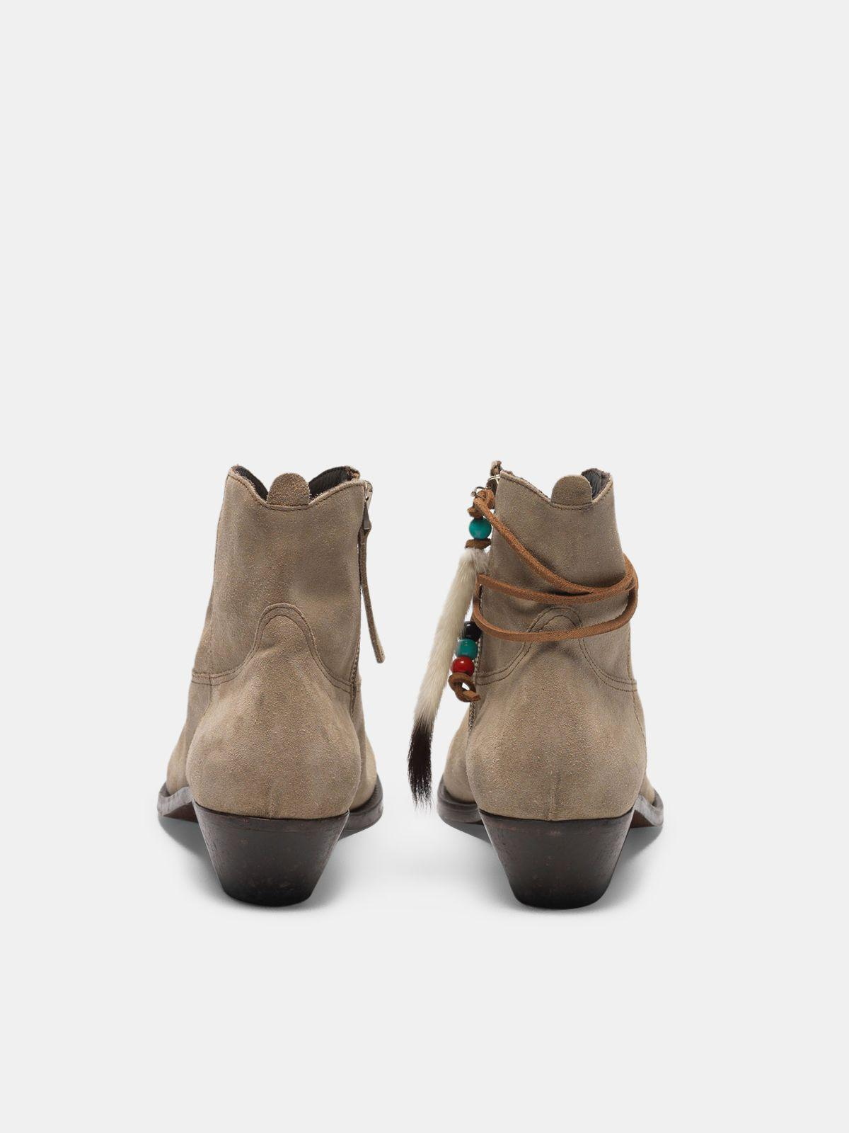 Young ankle boots in suede with cowboy-style decoration 1