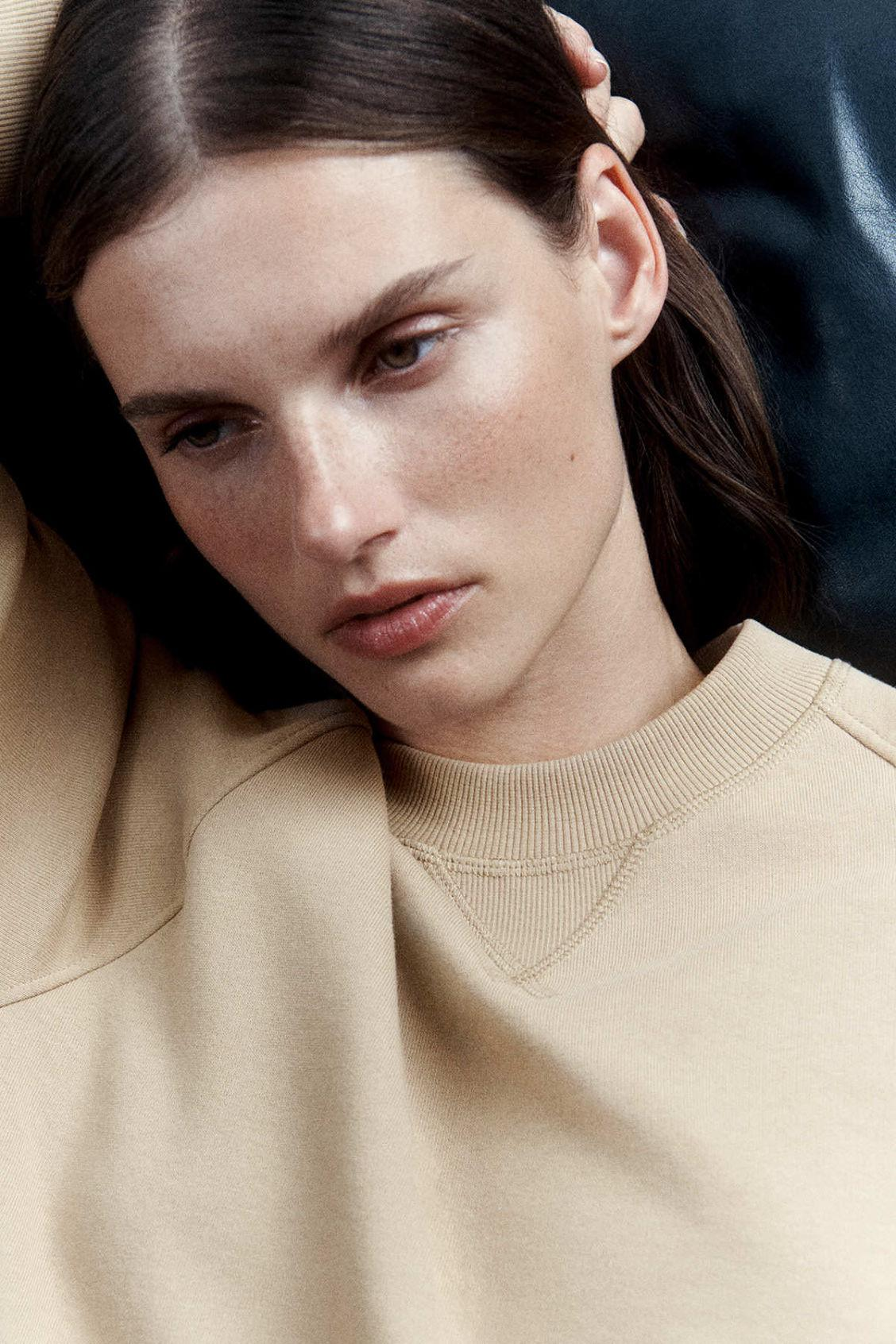 RELAXED-FIT TERRY SWEATSHIRT 5