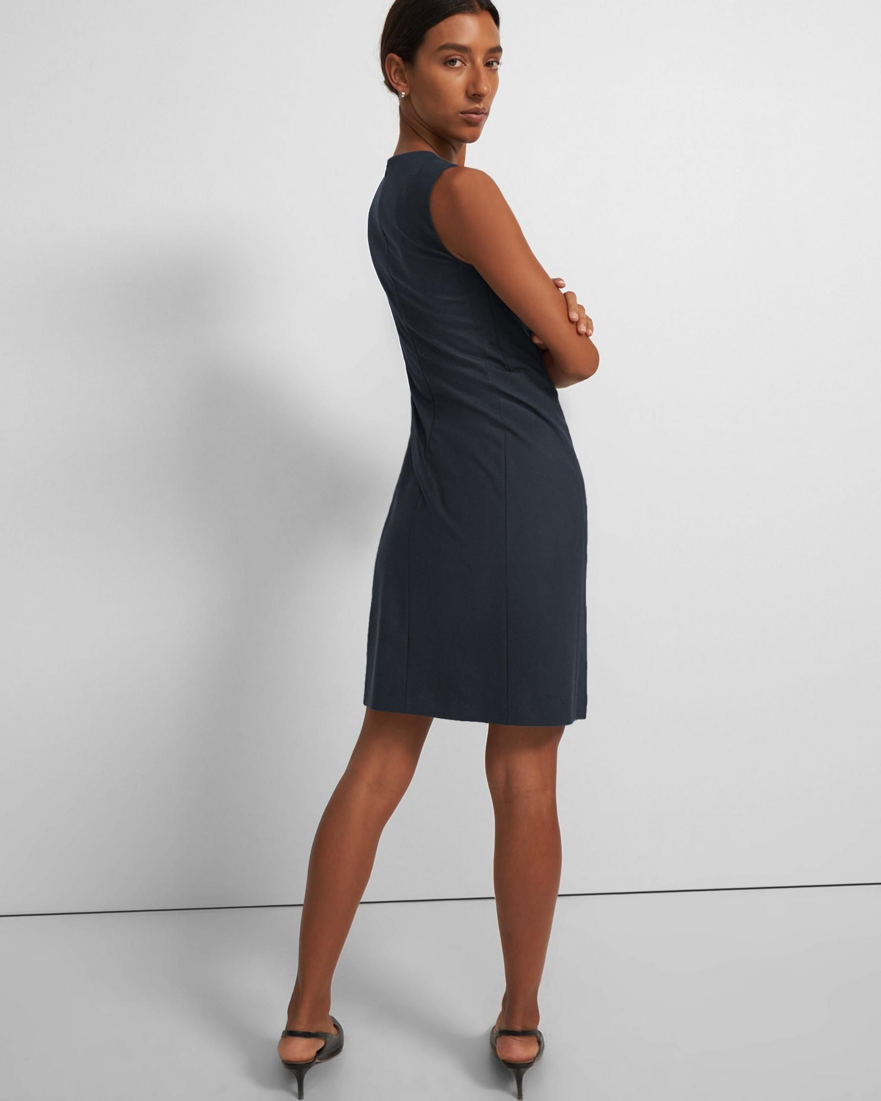 Sleeveless Fitted Dress in Good Wool 3
