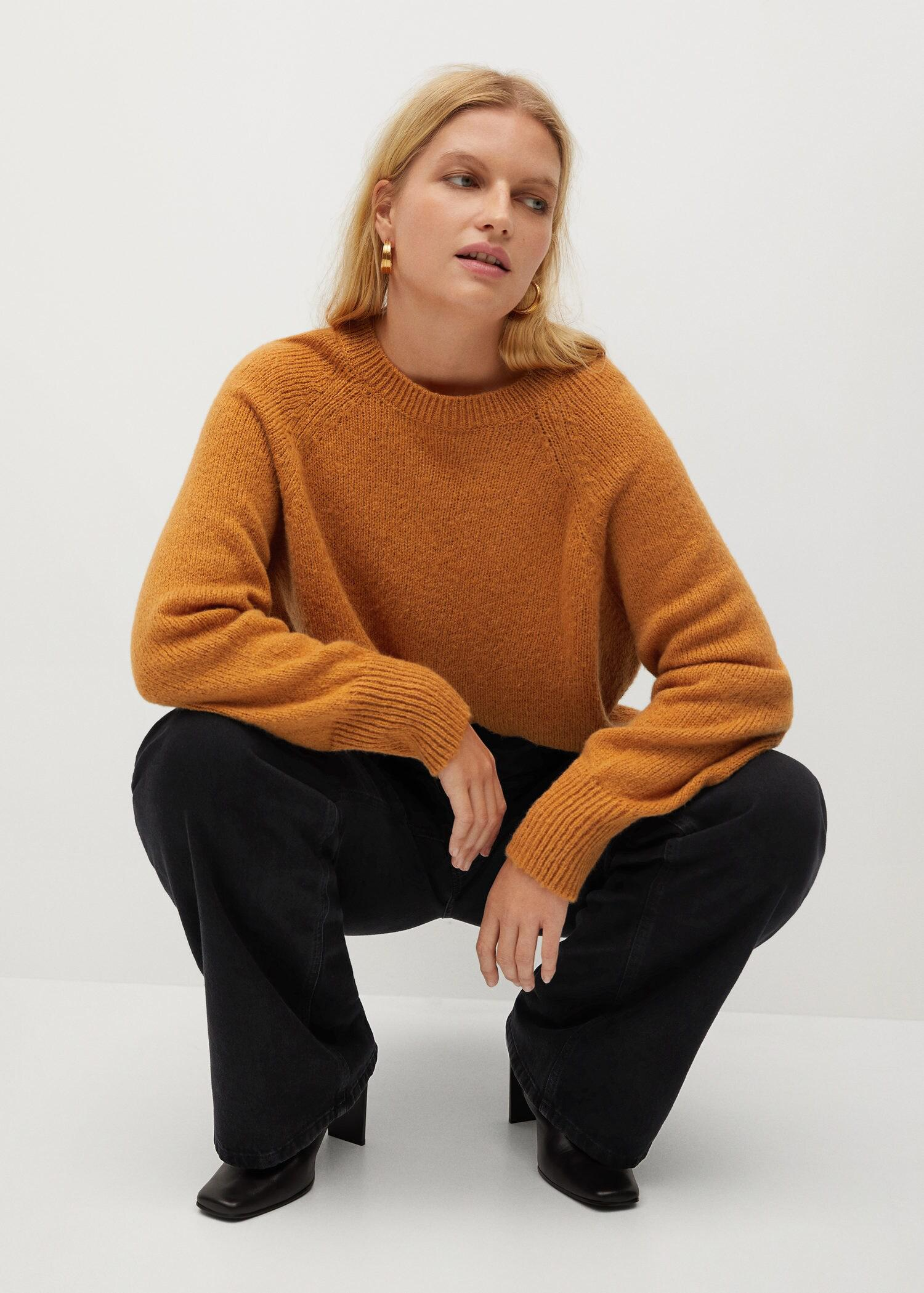 Back bow sweater 4