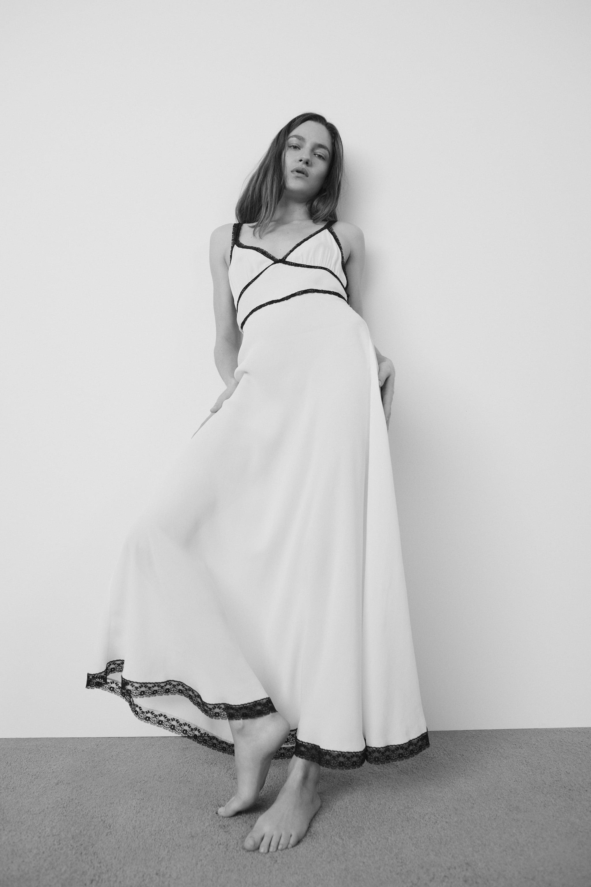 CONTRASTING LACE NIGHTDRESS