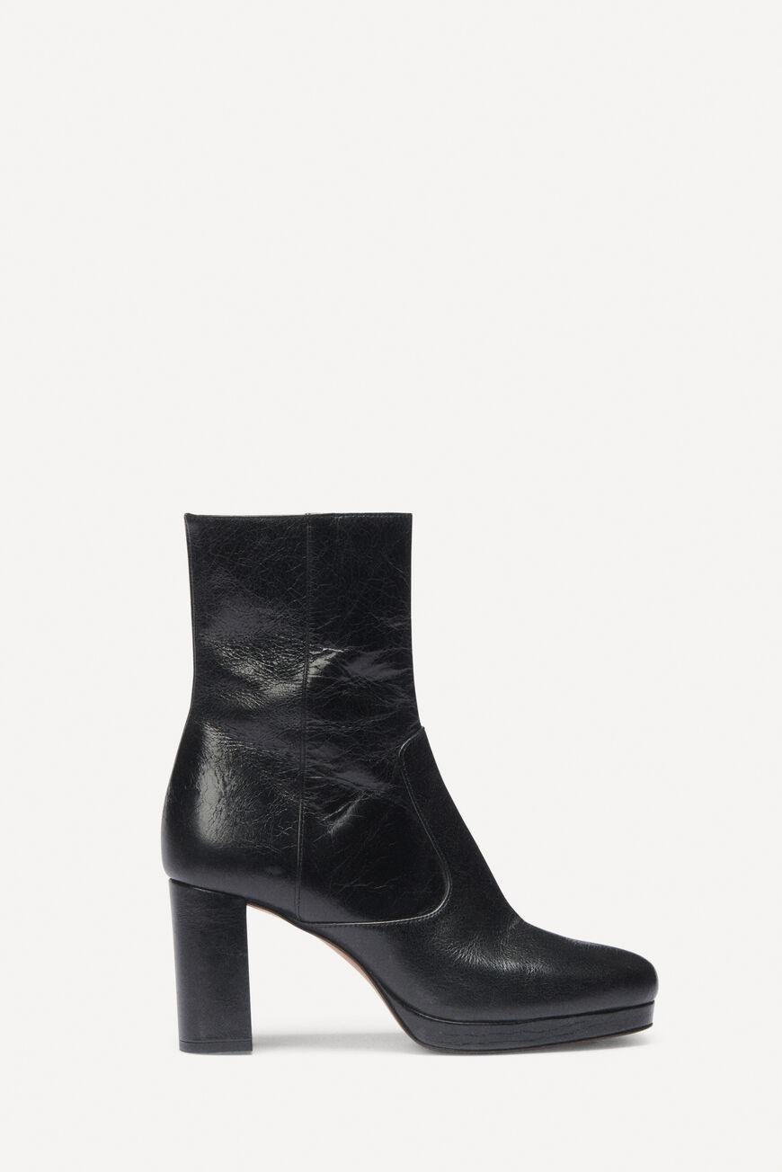 chelbi.BOOTS