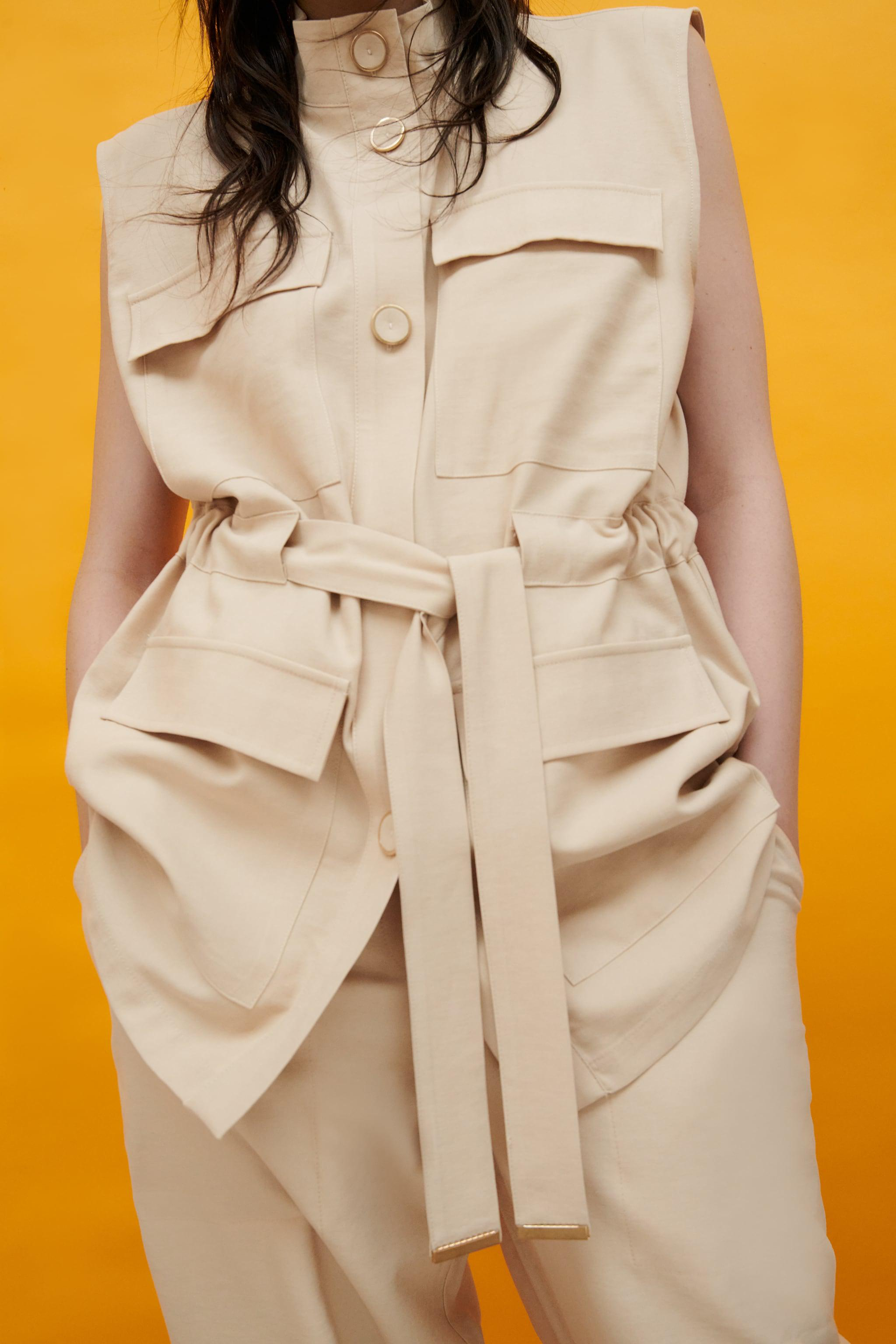 VEST WITH POCKETS 3