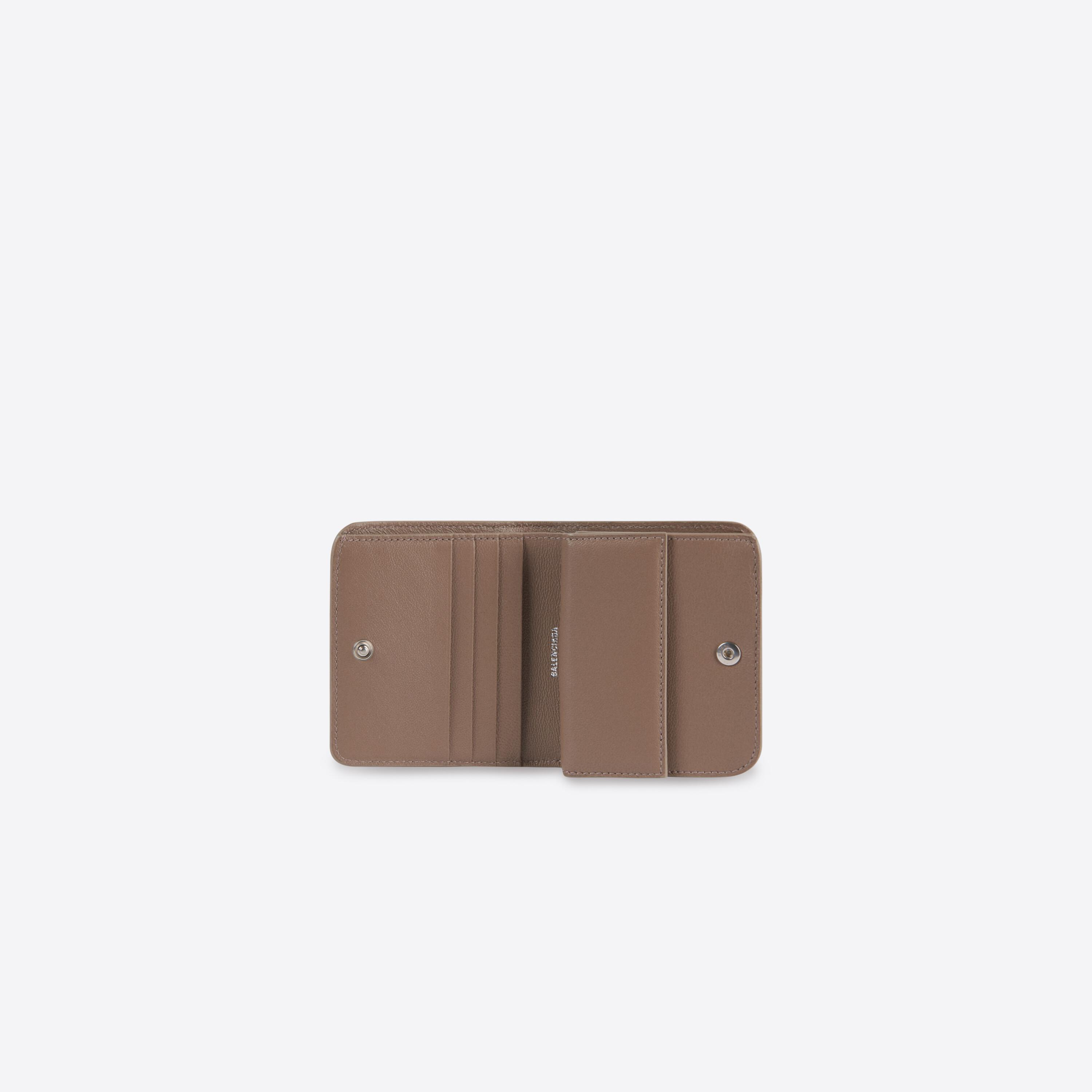 Cash Flap Coin And Card Holder 3