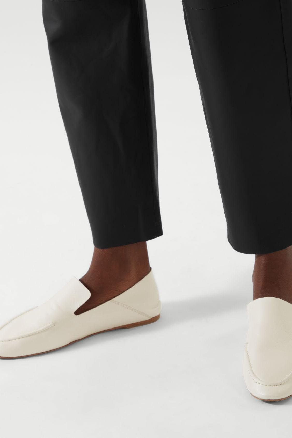 LEATHER LOAFERS 8