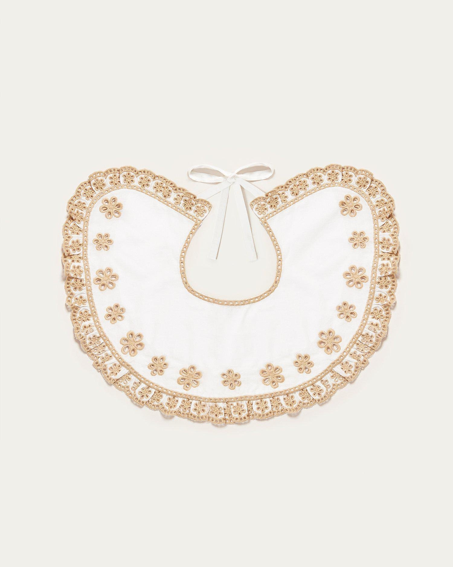 Lacey White/Sand Collar