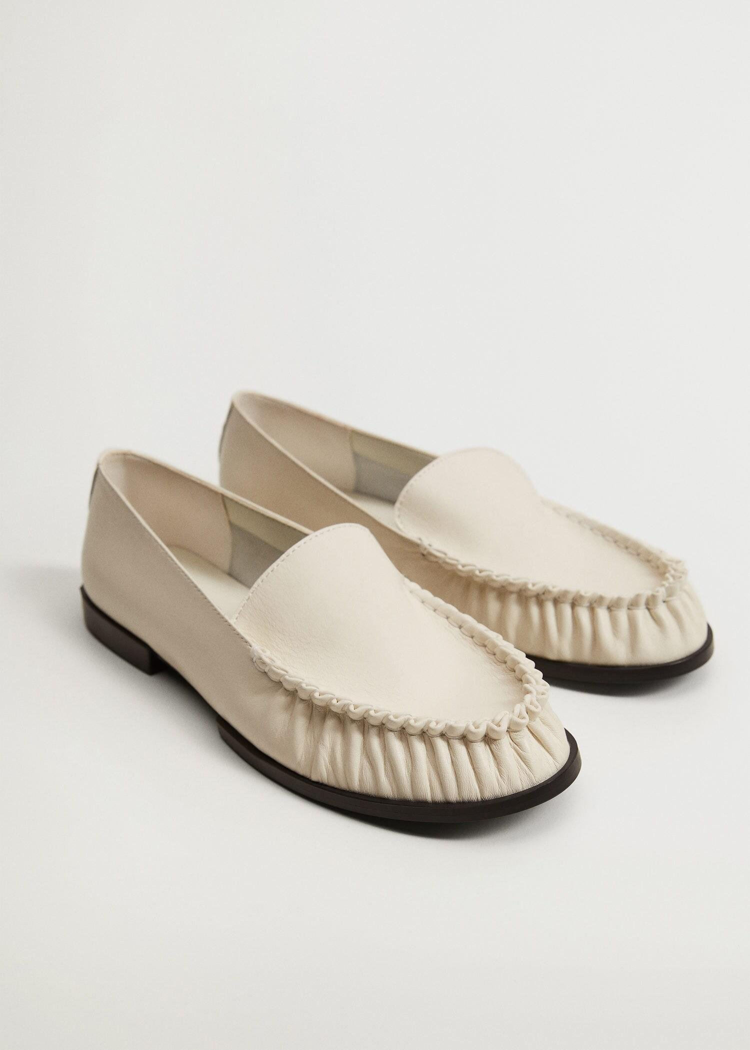 Gathered leather moccasin
