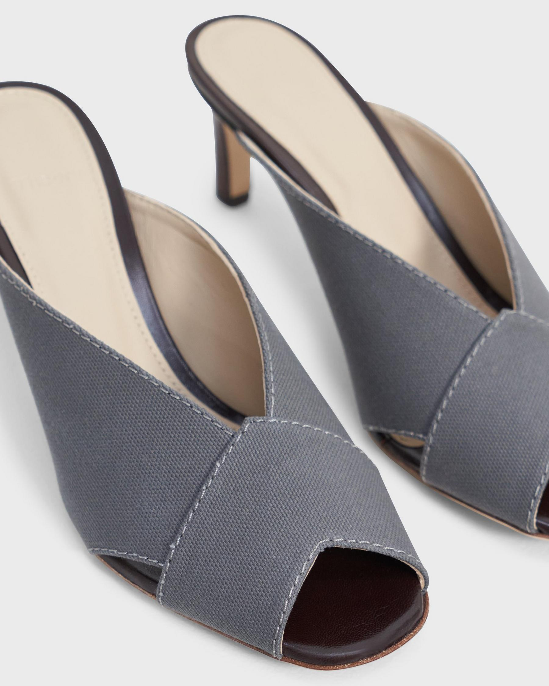 V Mule in Cotton Canvas 2