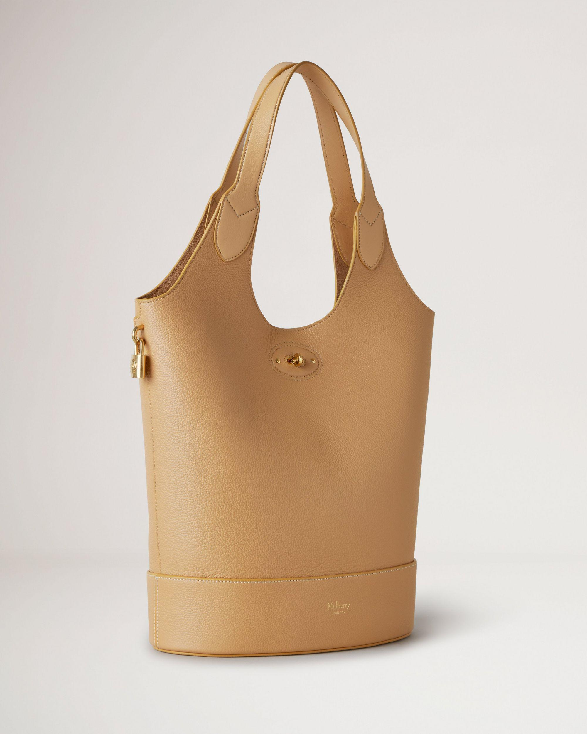 Lily Tote 2