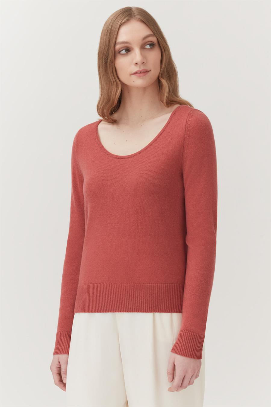 Women's Scoop Neck Sweater in Passion Fruit | Size: 1