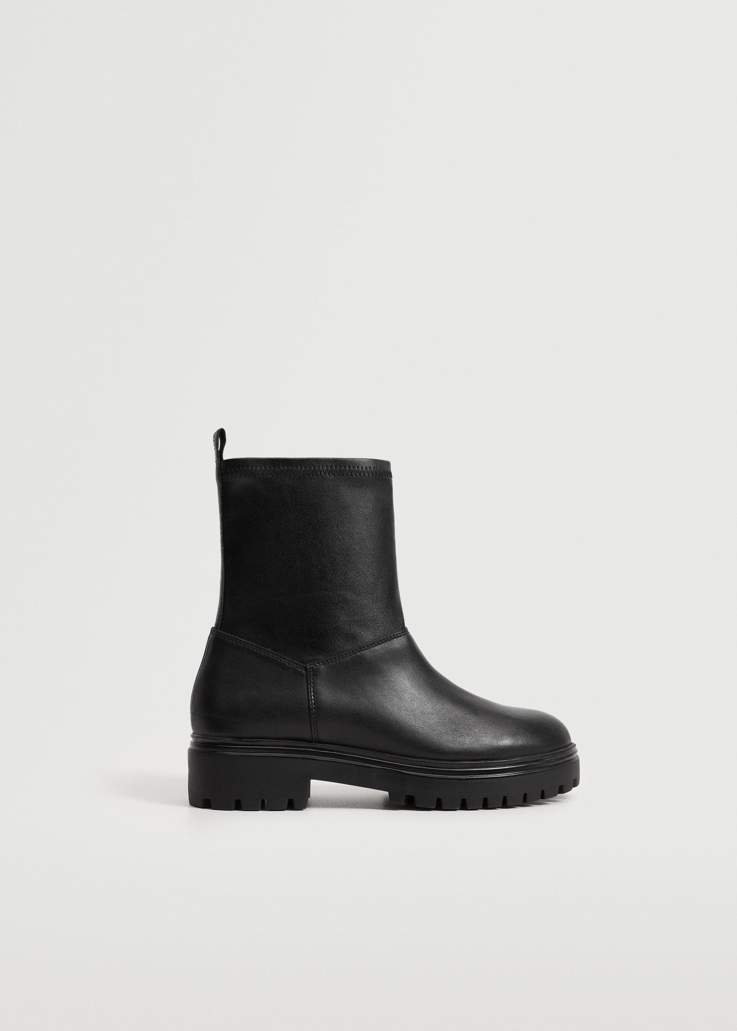 Serrated sole leather ankle boot