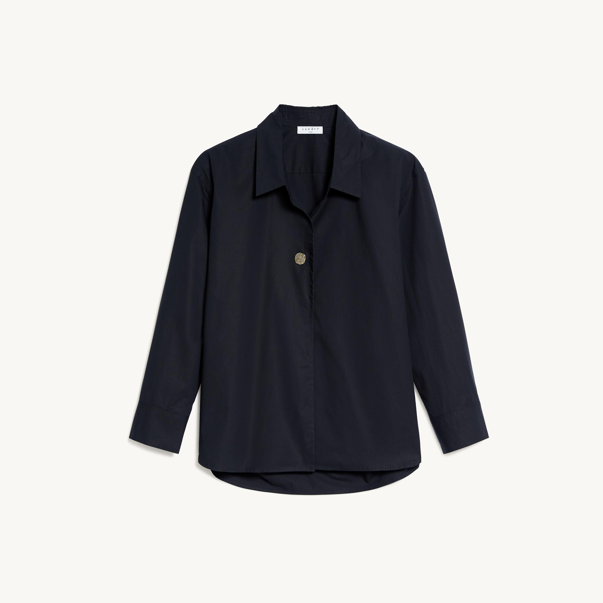 Oversized shirt with fancy button 5