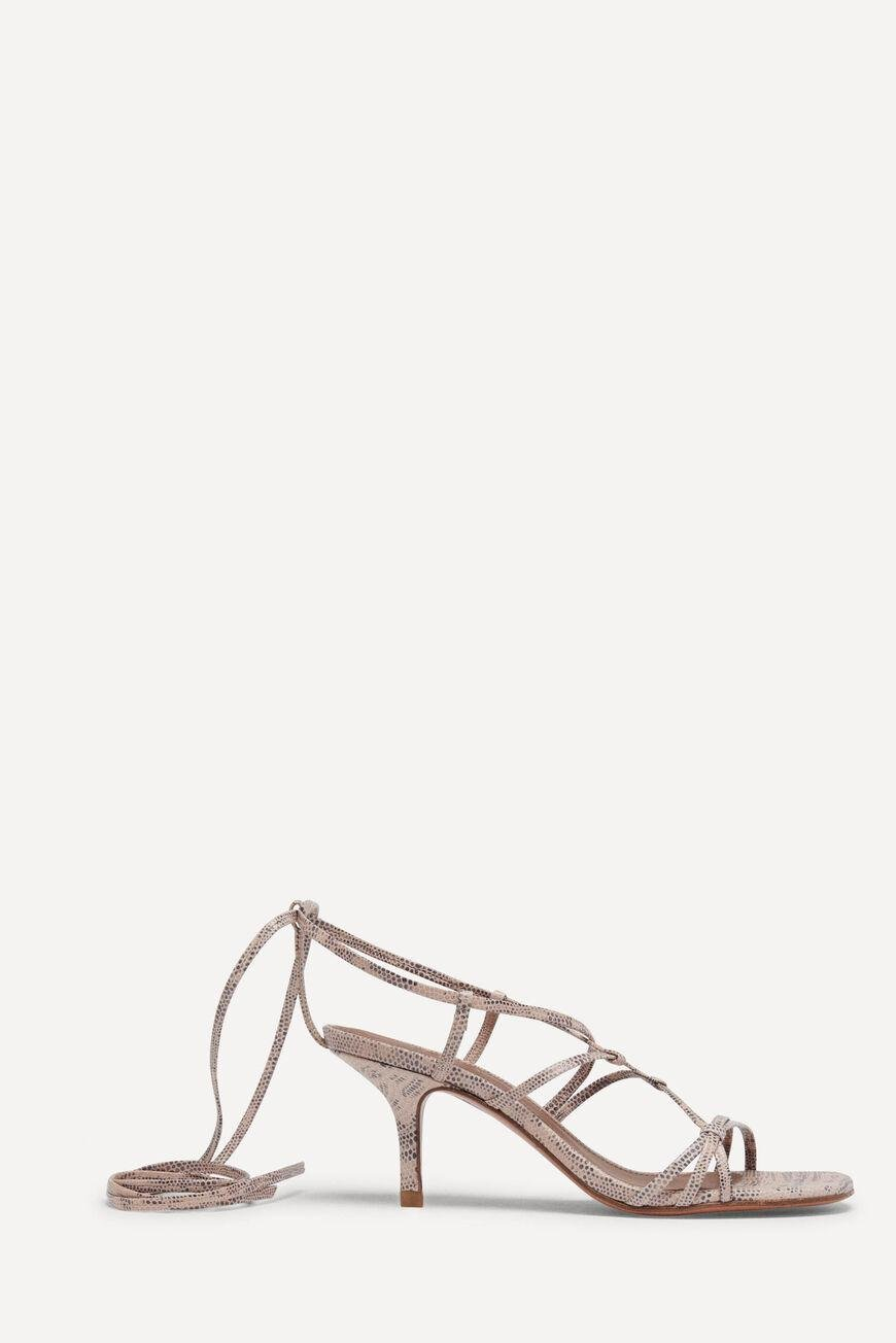 tcelly.LACE UP SANDAL