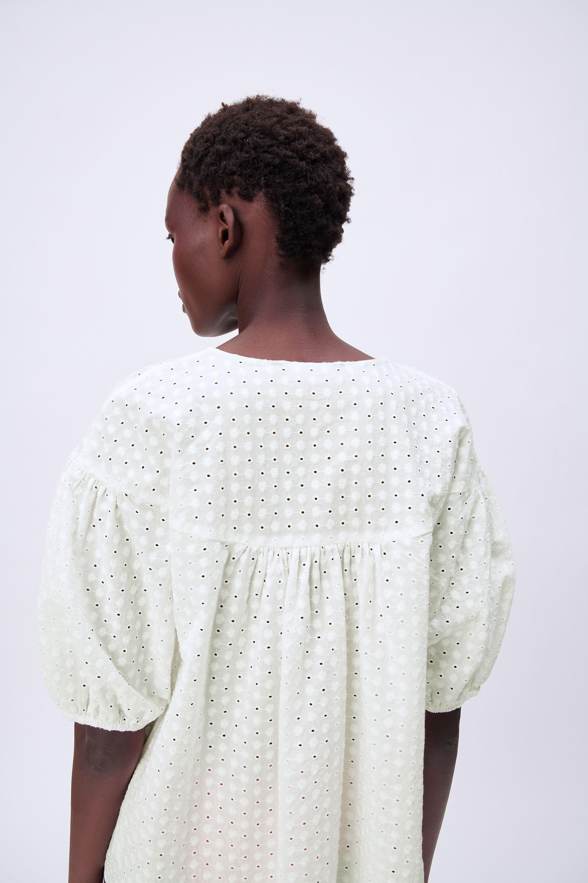 EMBROIDERED EYELET BLOUSE 2