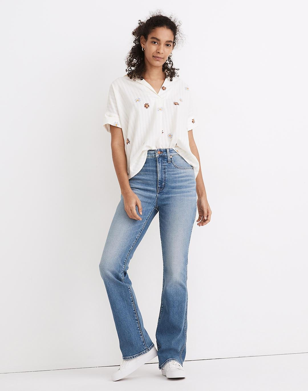 High-Rise Bootcut Jeans in Danver Wash